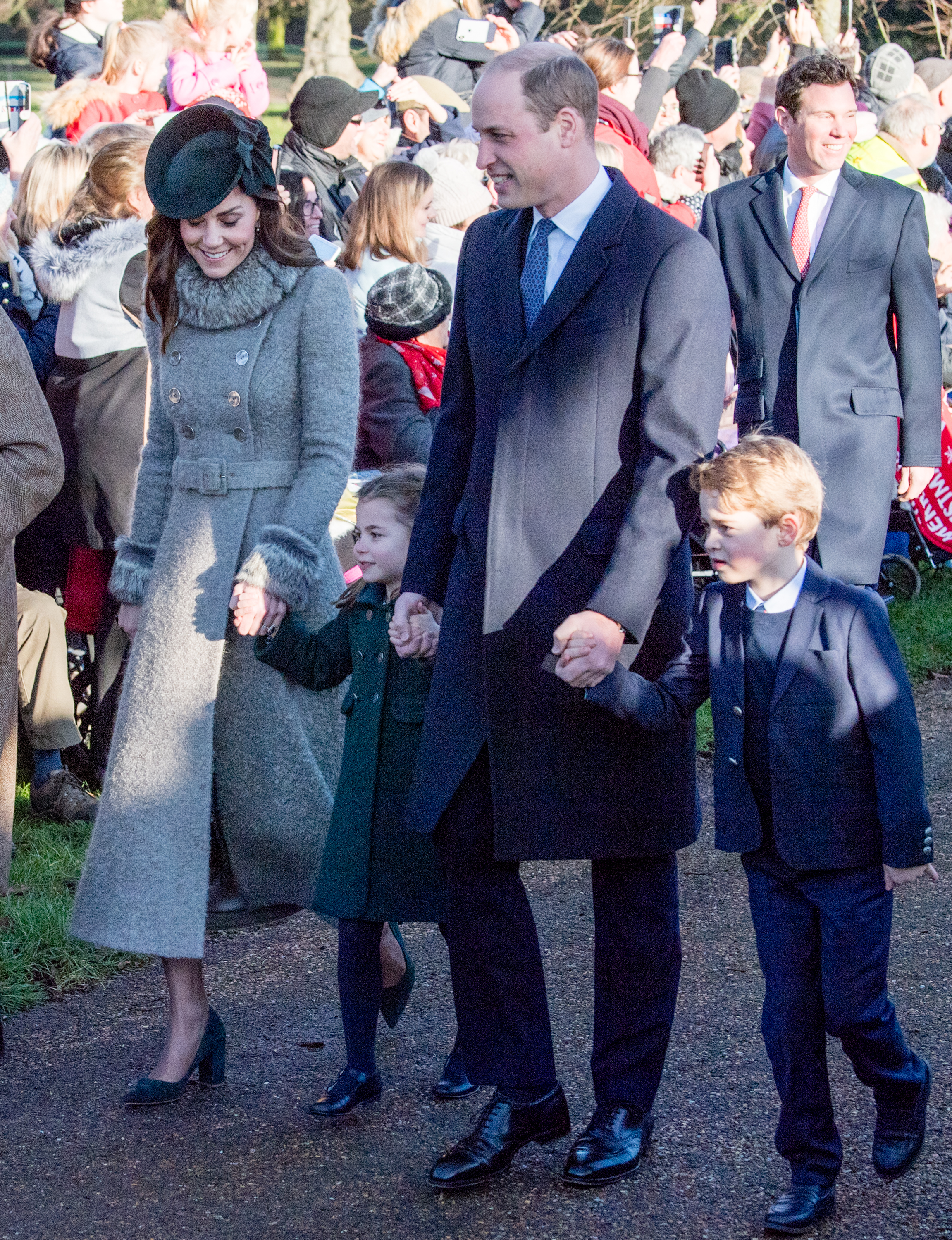 KING'S LYNN, ENGLAND - DECEMBER 25:  Prince William, Duke of Cambridge, Prince George of Cambridge, Catherine, Duchess of Cambridge and  Princess Charlotte of Cambridge attend the Christmas Day Church service at Church of St Mary Magdalene on the Sandringham estate on December 25, 2019 in King's Lynn, United Kingdom. (Photo by Pool/Samir Hussein/WireImage)