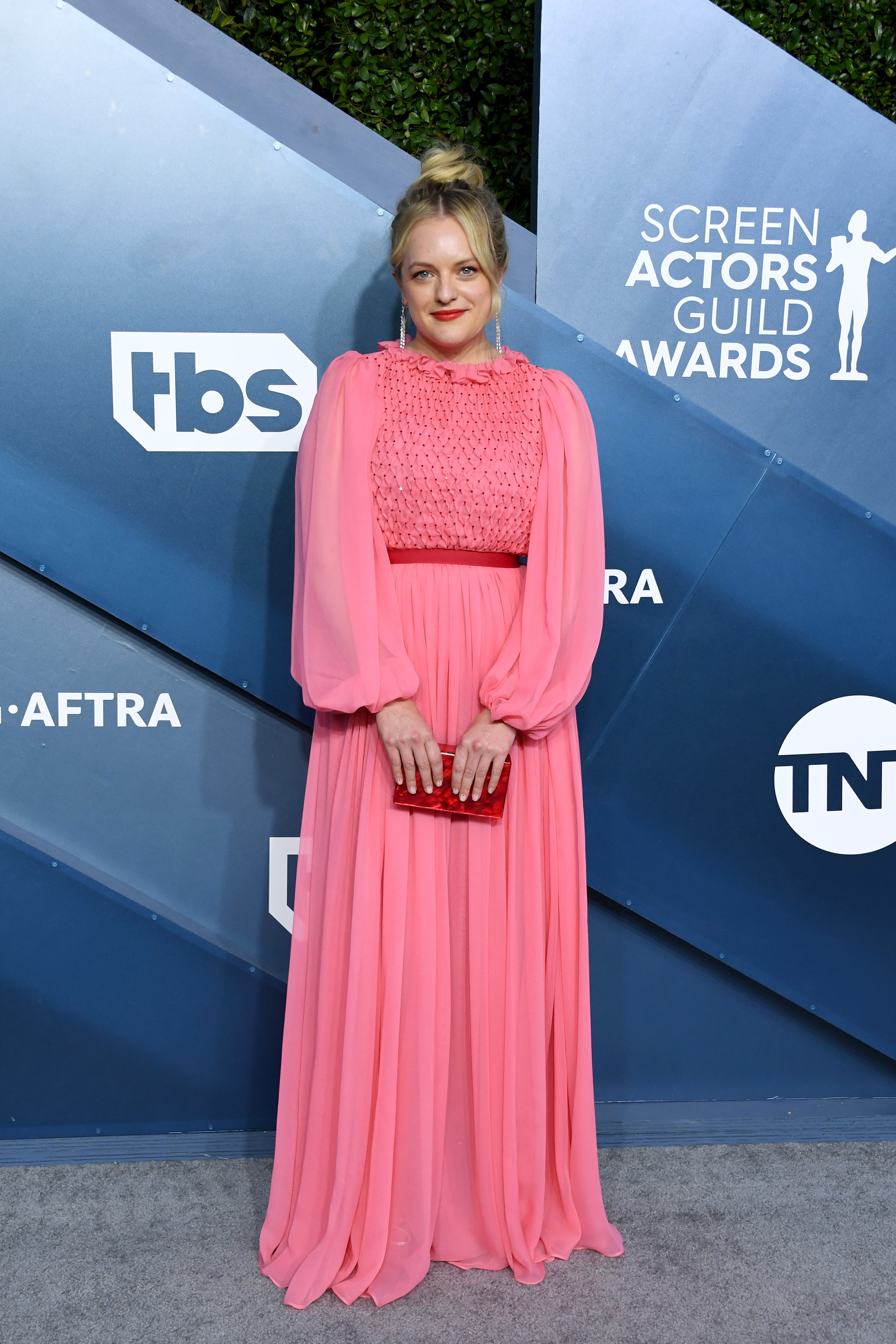 LOS ANGELES, CALIFORNIA - JANUARY 19: Elisabeth Moss attends the 26th Annual Screen ActorsGuild Awards at The Shrine Auditorium on January 19, 2020 in Los Angeles, California. (Photo by Jon Kopaloff/Getty Images)