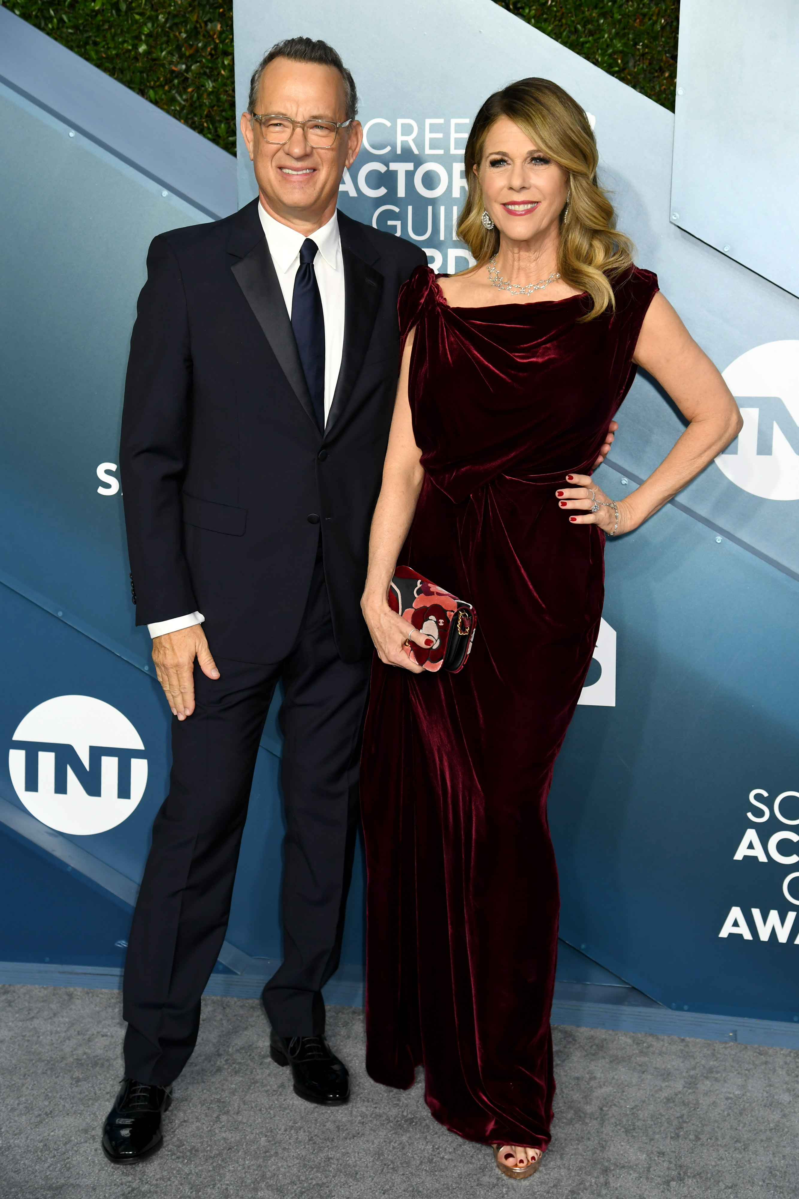 LOS ANGELES, CALIFORNIA - JANUARY 19: (L-R) Tom Hanks and Rita Wilson attends the 26th Annual Screen ActorsGuild Awards at The Shrine Auditorium on January 19, 2020 in Los Angeles, California. (Photo by Jeff Kravitz/FilmMagic)