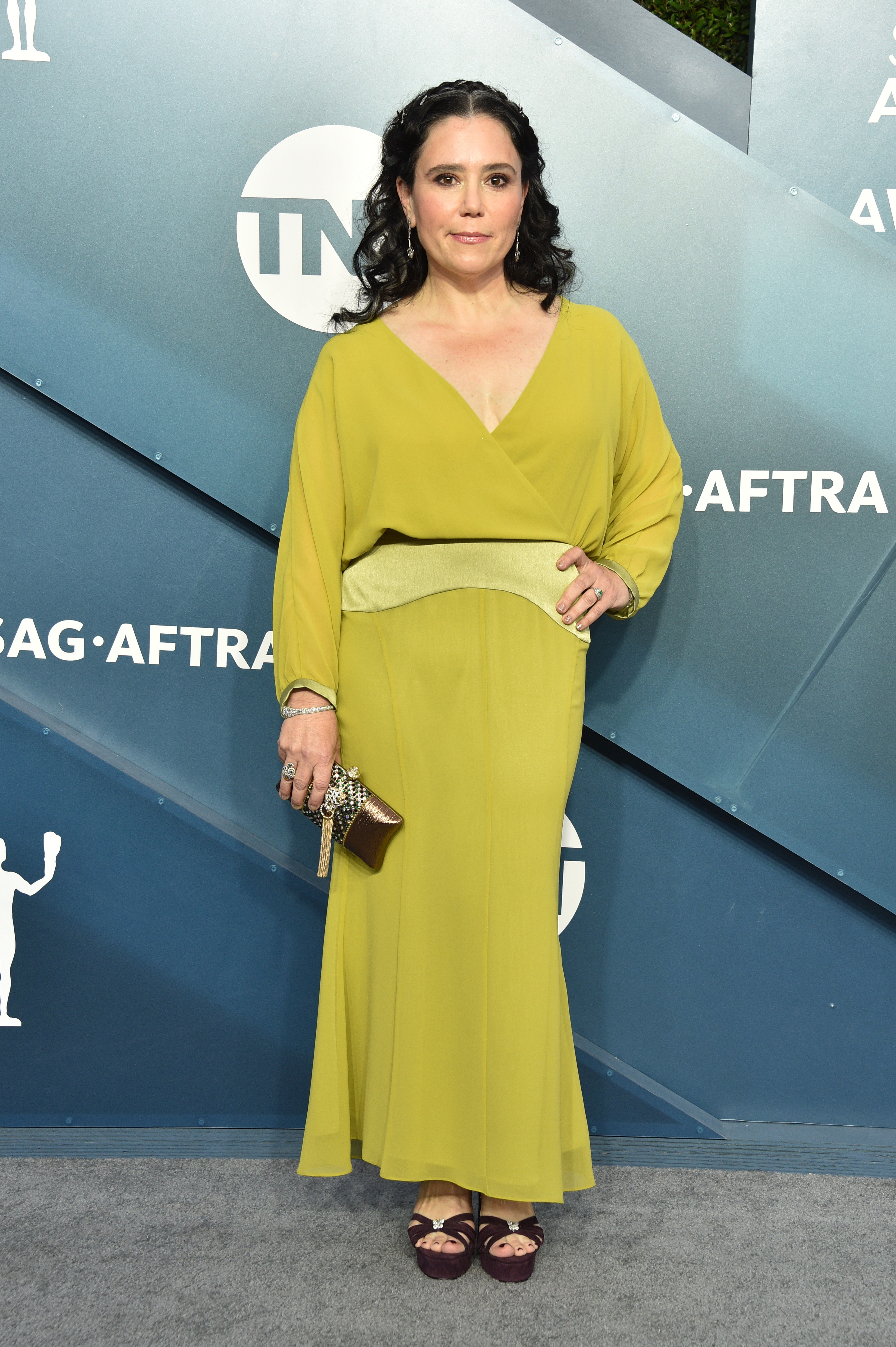 LOS ANGELES, CALIFORNIA - JANUARY 19: Alex Borstein attends the 26th Annual Screen ActorsGuild Awards at The Shrine Auditorium on January 19, 2020 in Los Angeles, California. 721430 (Photo by Gregg DeGuire/Getty Images for Turner)