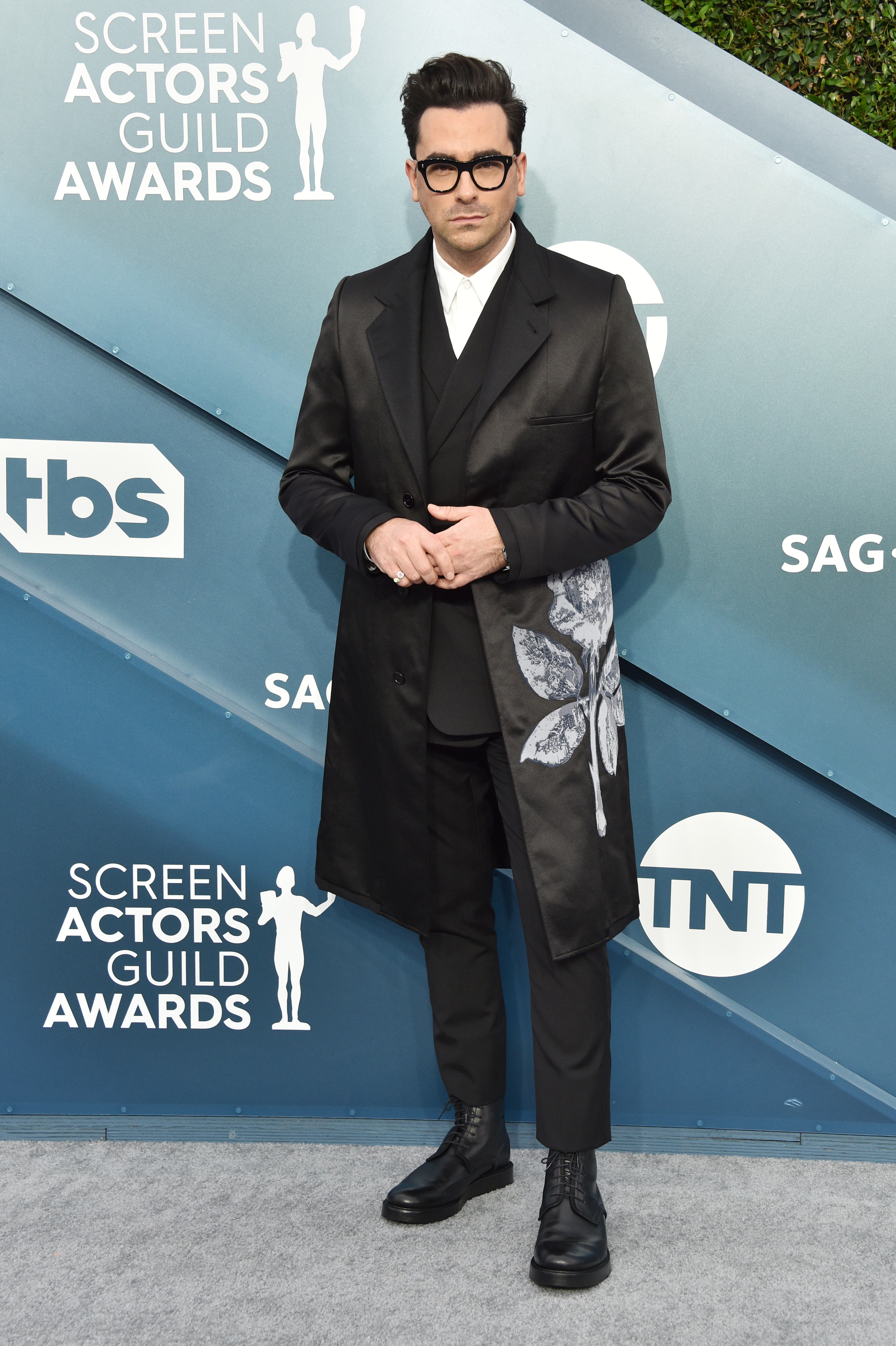 LOS ANGELES, CALIFORNIA - JANUARY 19: Dan Levy attends the 26th Annual Screen ActorsGuild Awards at The Shrine Auditorium on January 19, 2020 in Los Angeles, California. 721430 (Photo by Gregg DeGuire/Getty Images for Turner)