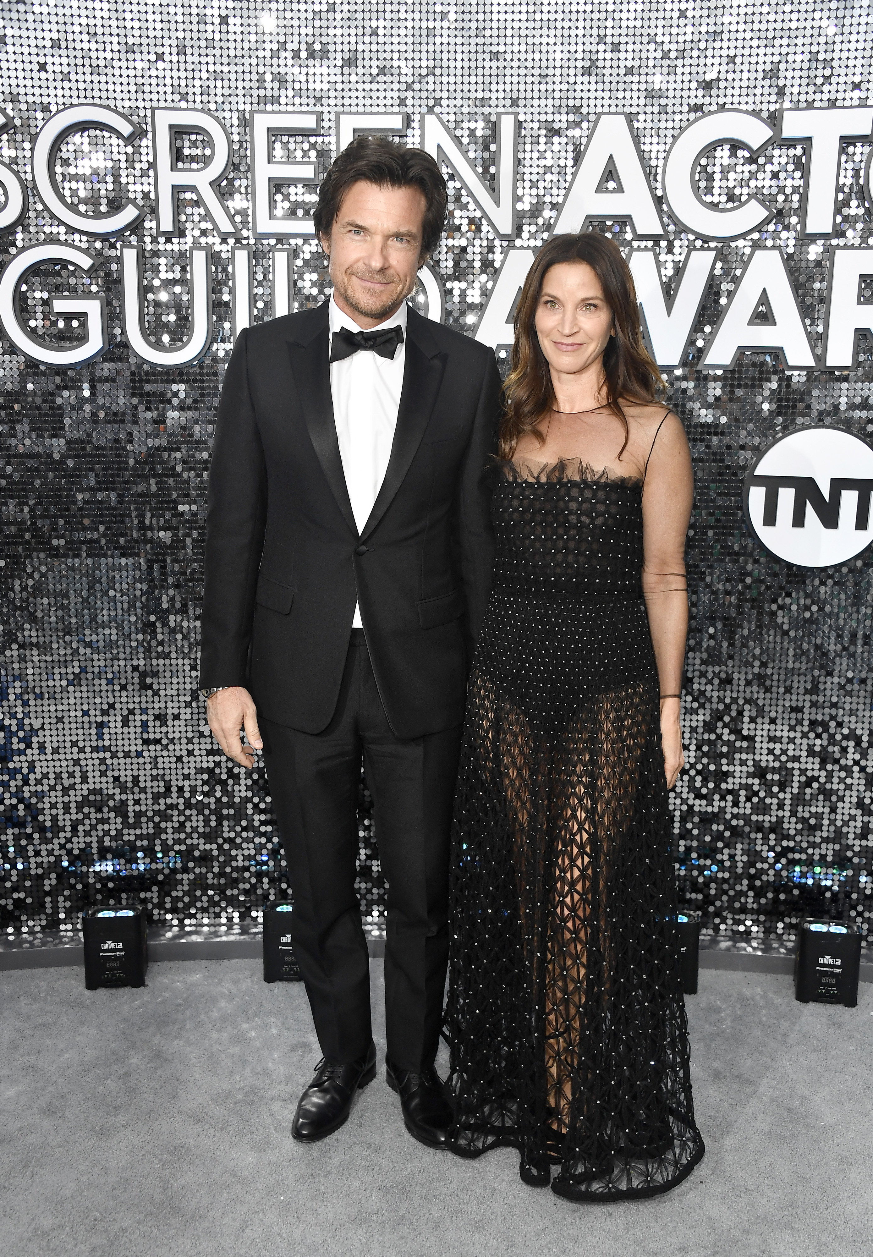 LOS ANGELES, CALIFORNIA - JANUARY 19: (L-R) Jason Bateman and Amanda Anka attend the 26th Annual Screen ActorsGuild Awards at The Shrine Auditorium on January 19, 2020 in Los Angeles, California. (Photo by Frazer Harrison/Getty Images)