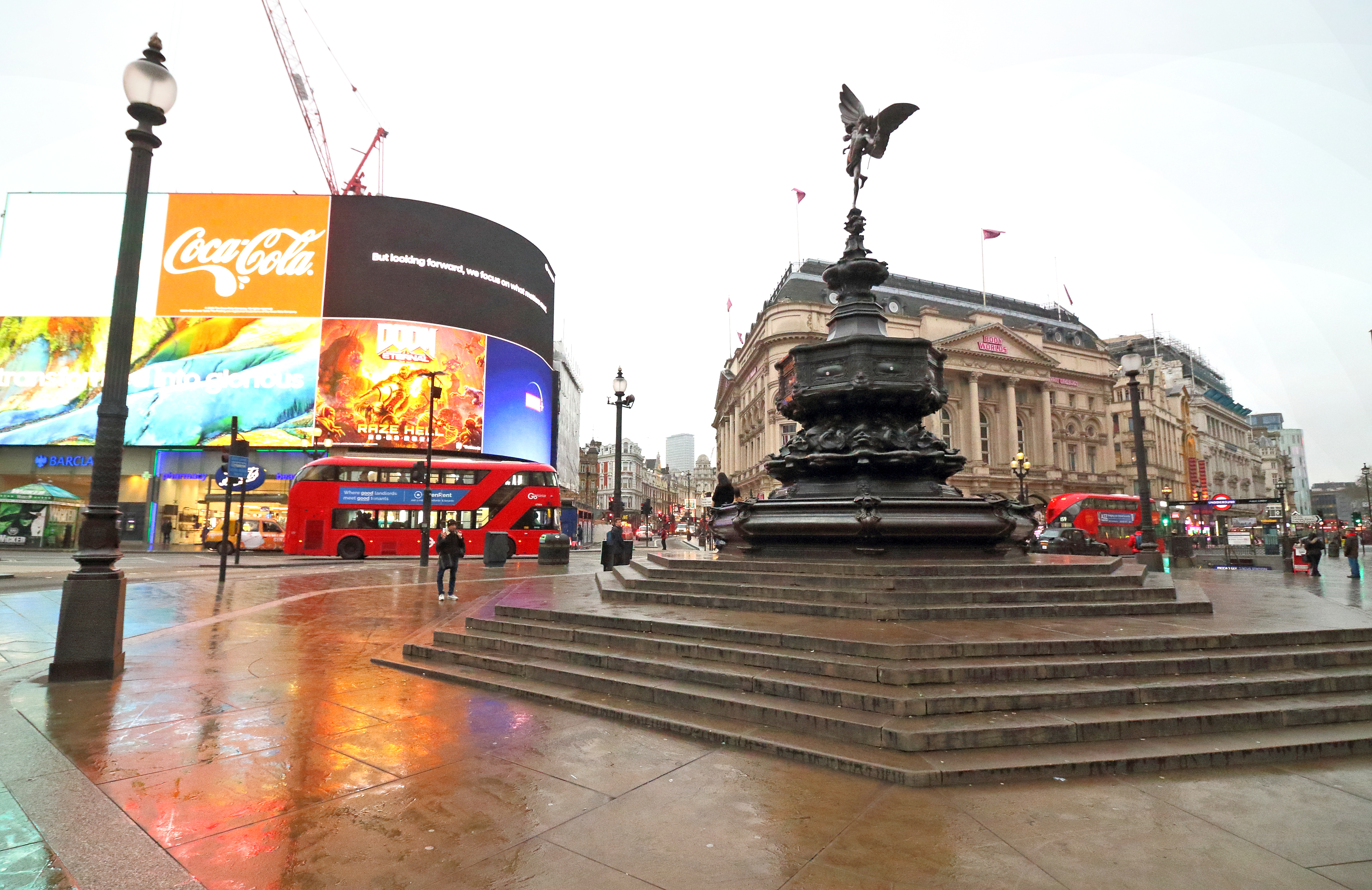 View of a deserted Piccadilly Circus public space amid Coronavirus threats in London. UK Government is drawing up plans to enforce closure of restaurants, bars and cinemas in the capital and restrict use of public transport. The expected 'London Lock down' has already seen large empty spaces where tourists usually gather and deserted streets around landmarks due to the threat of a further spread of coronavirus. (Photo by Keith Mayhew / SOPA Images/Sipa USA)
