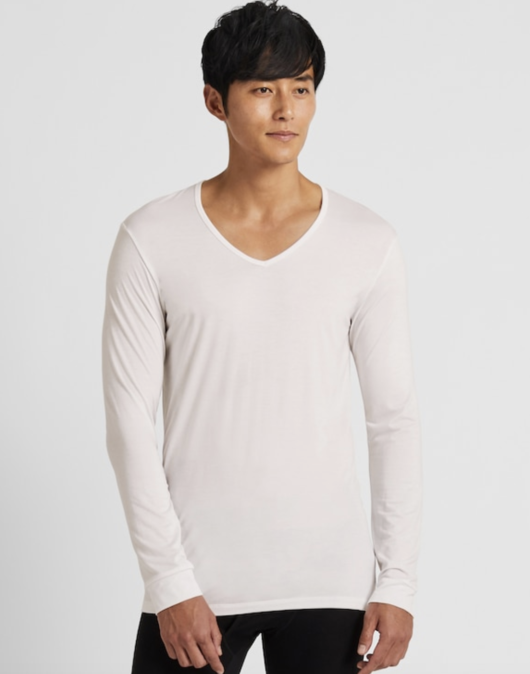 Men Heattech V-Neck Long-Sleeve T-Shirt