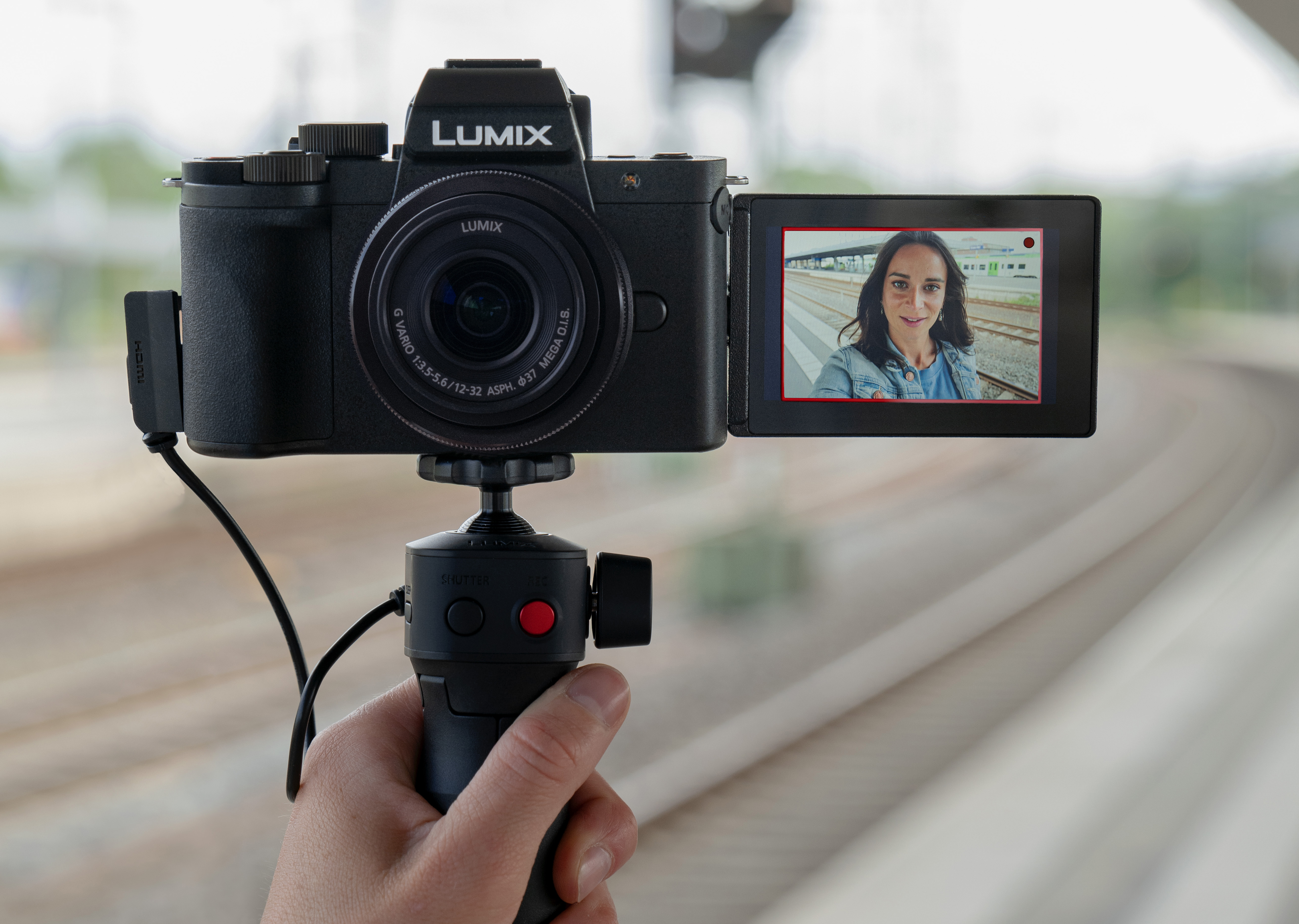 Panasonic's G100 vlogging camera can isolate voices using face tracking