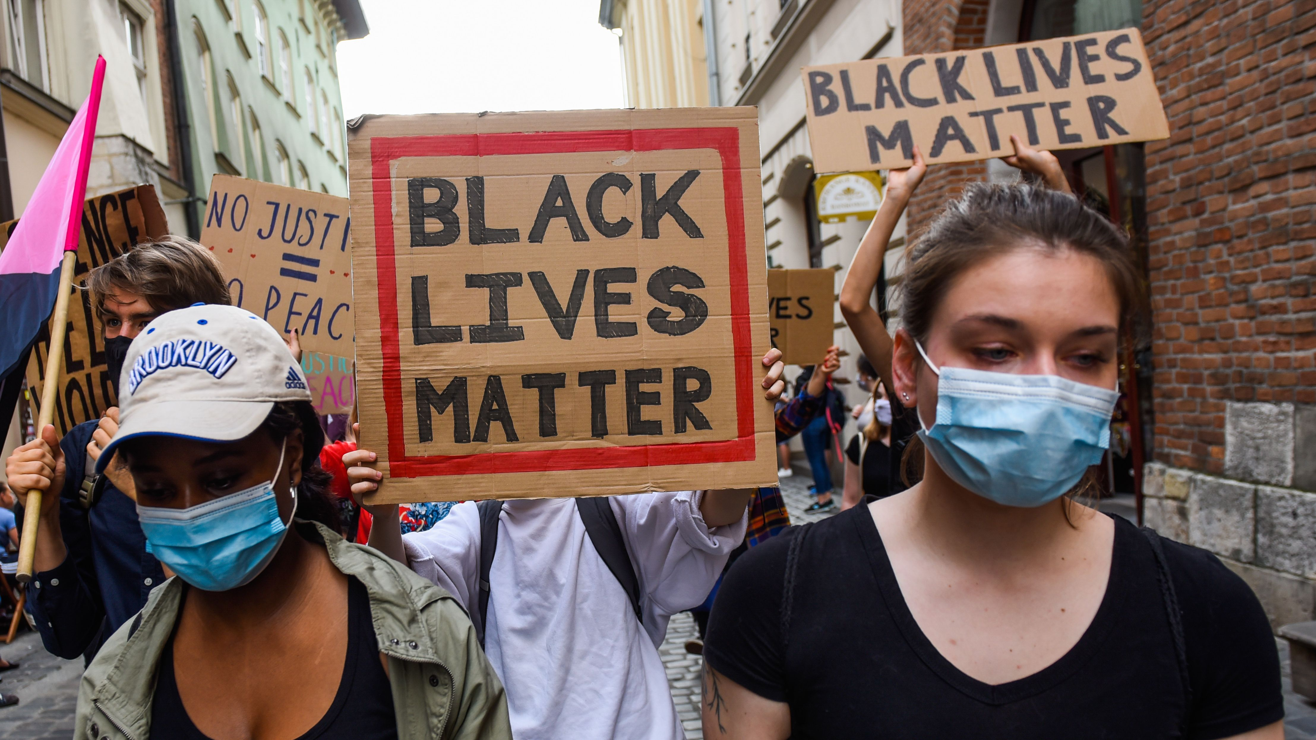 Twitter Instagram Are Key Platforms Amid Protests Facebook Continues To Spread Misinformation