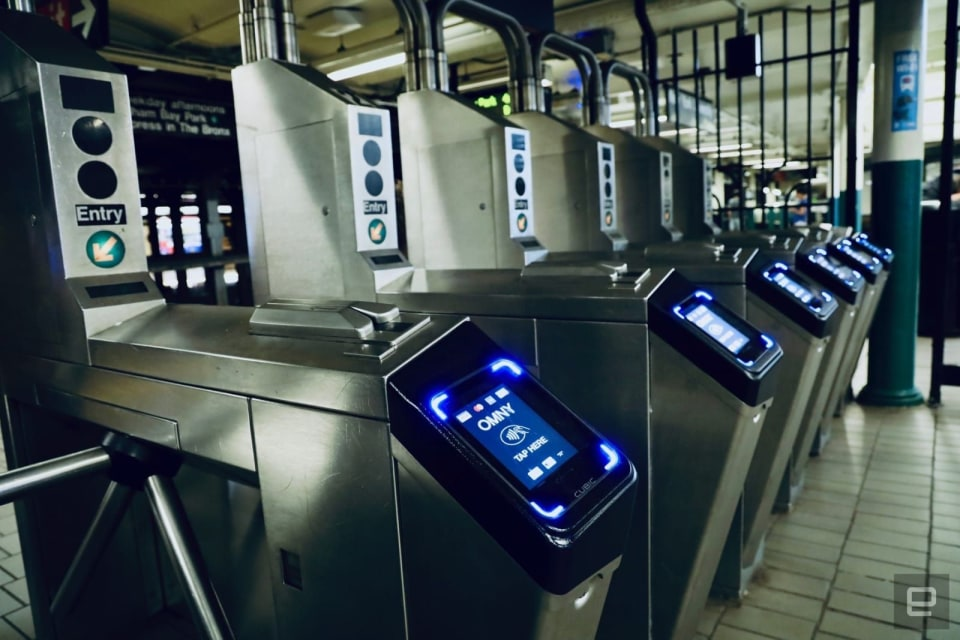 New York delays contactless subway payments until December