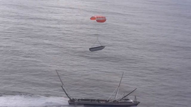 SpaceX fairing catch test (January 2019) SpaceX (Twitter)