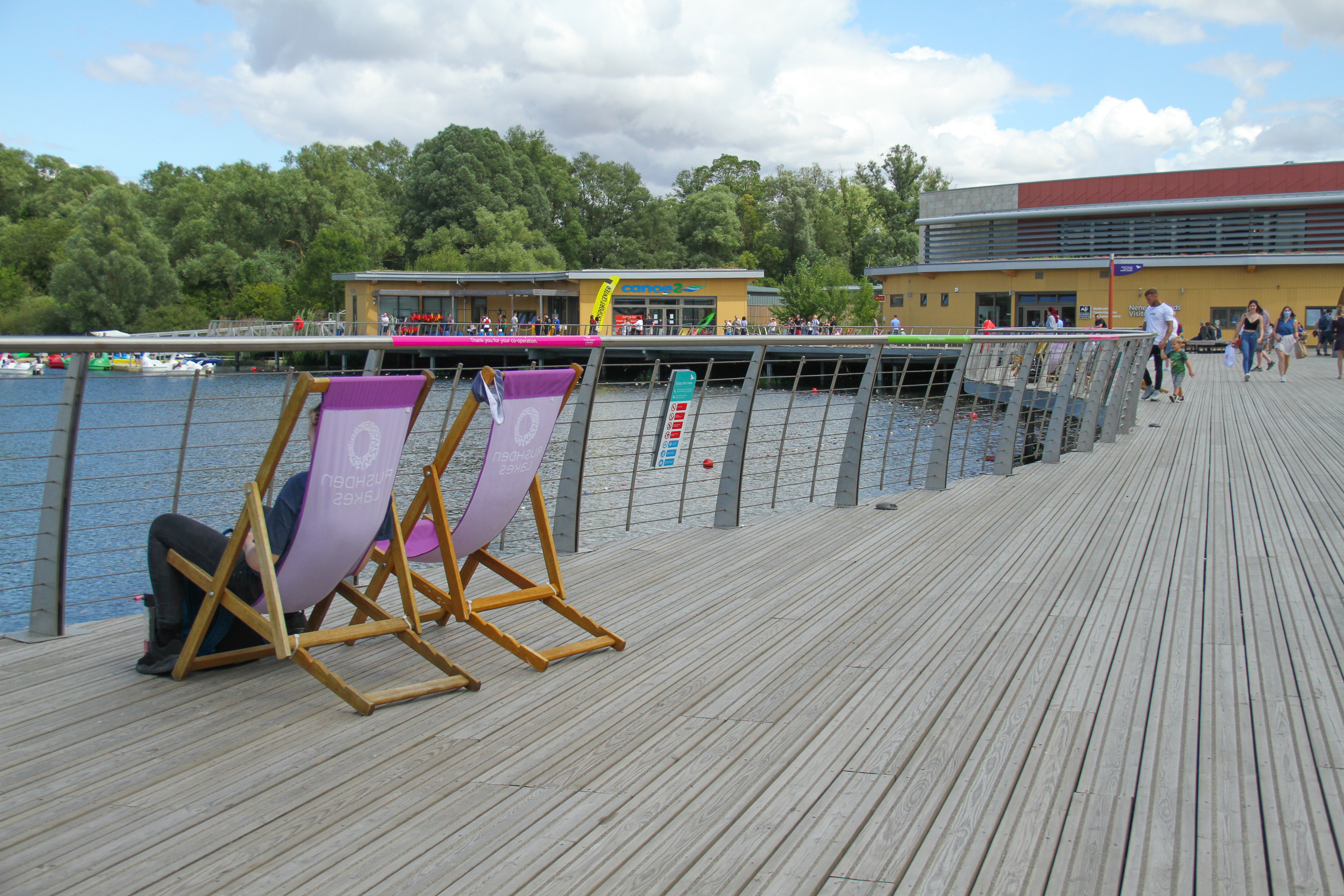 A man relax by the Rushden Lakes to enjoy the warm weather over the weekend With the warm weather in the UK, people ventured outdoors amidst the novel coronavirus pandemic reprise. (Photo by David Mbiyu / SOPA Images/Sipa USA)
