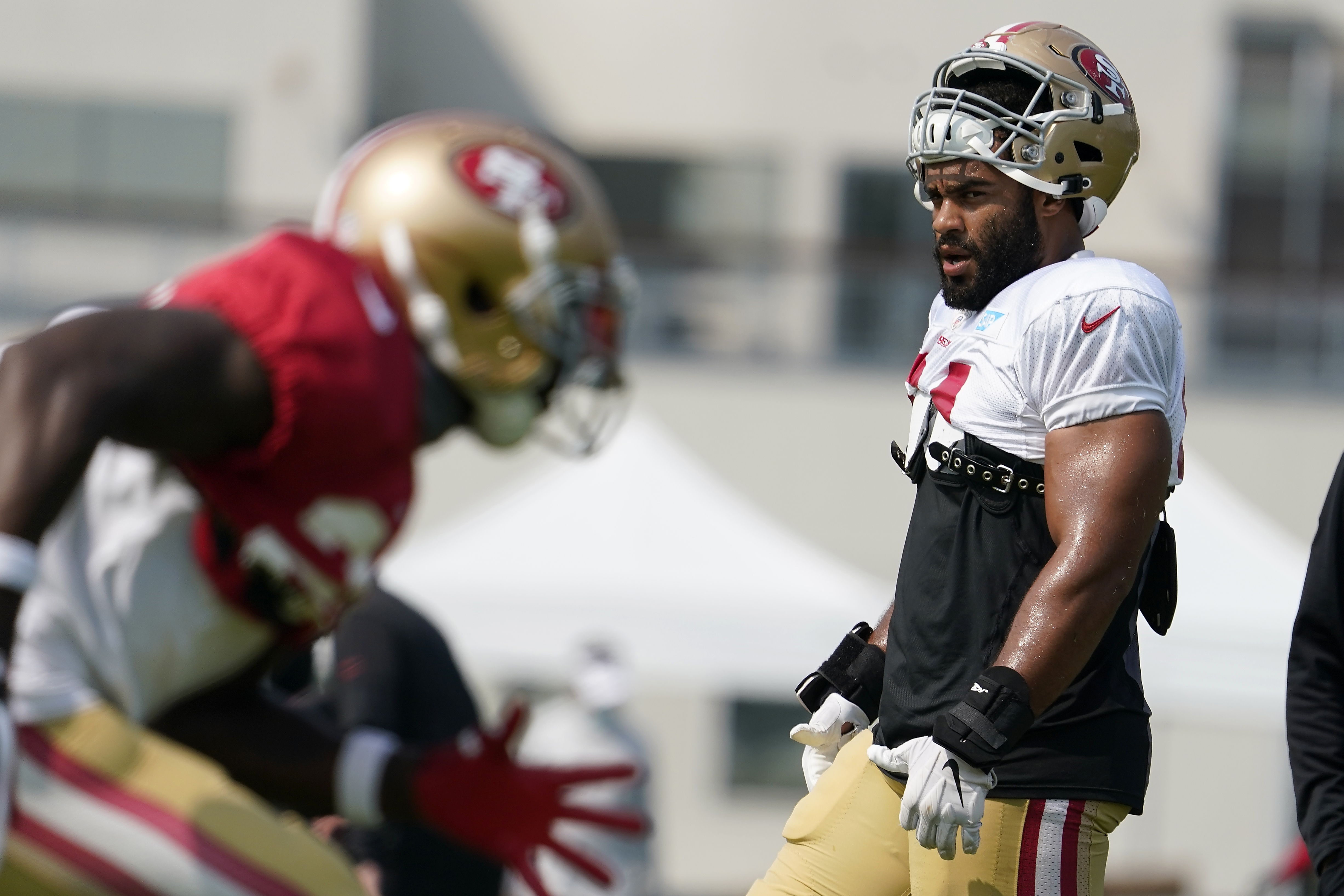 Nfl Reminded Of Covid 19 Pitfalls With 49ers Fred Warner
