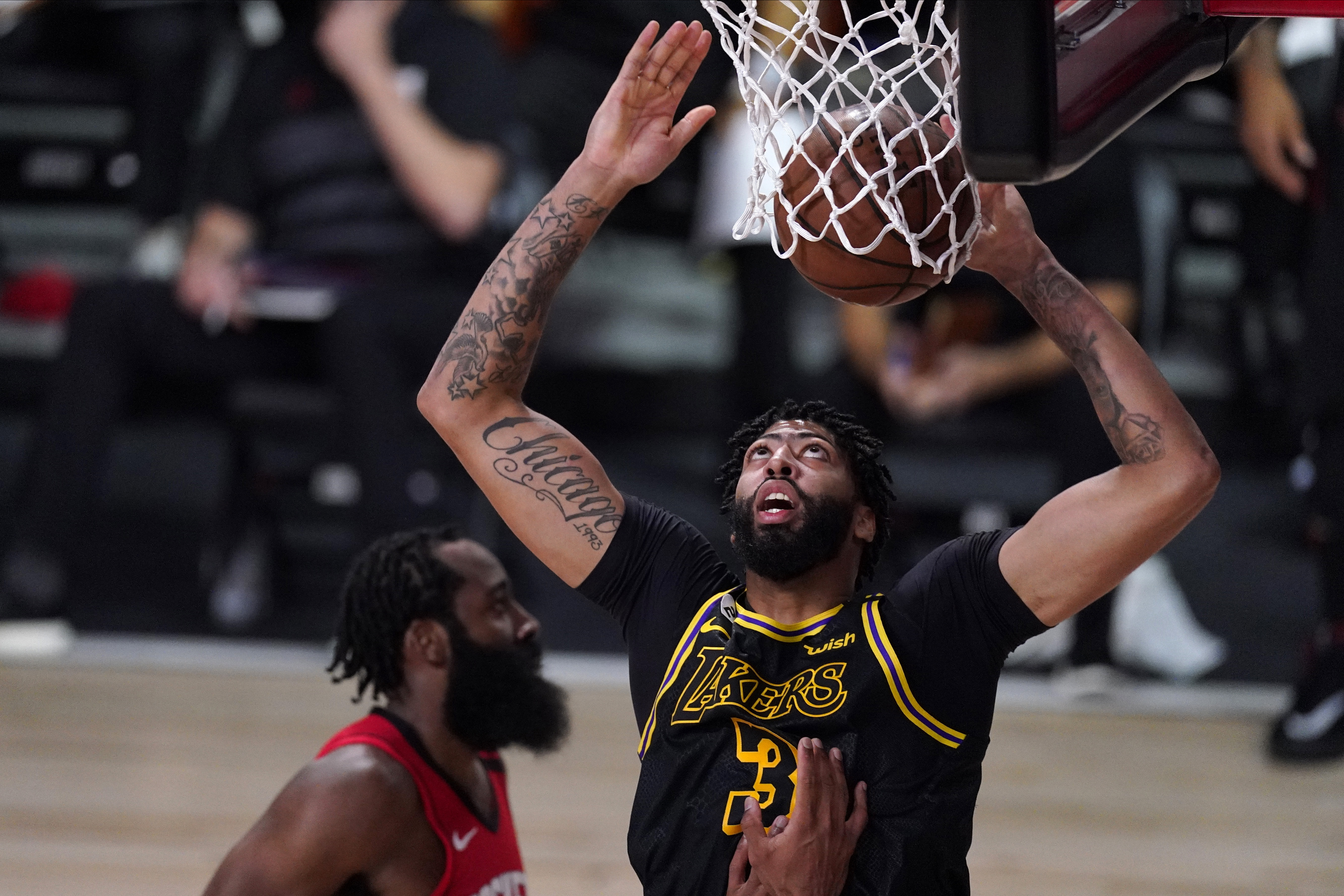 Nba Lakers Survive In Game 2 Even Series With Rockets