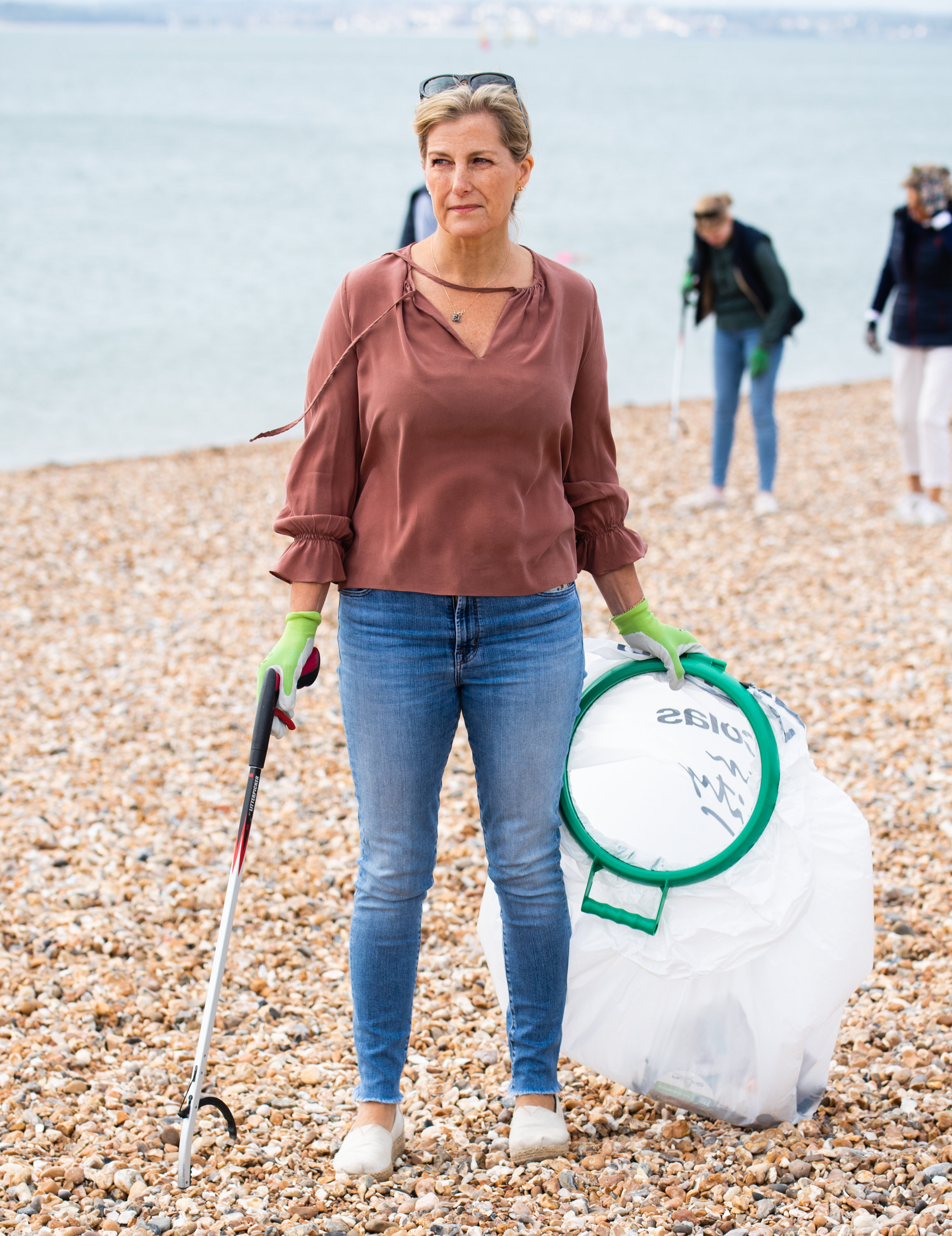 PORTSMOUTH, ENGLAND  - SEPTEMBER 20:  Sophie, Countess of Wessex takes part in the Great British Beach Clean on Southsea beach on September 20, 2020 in Portsmouth, England. (Photo by Pool/Samir Hussein/WireImage)