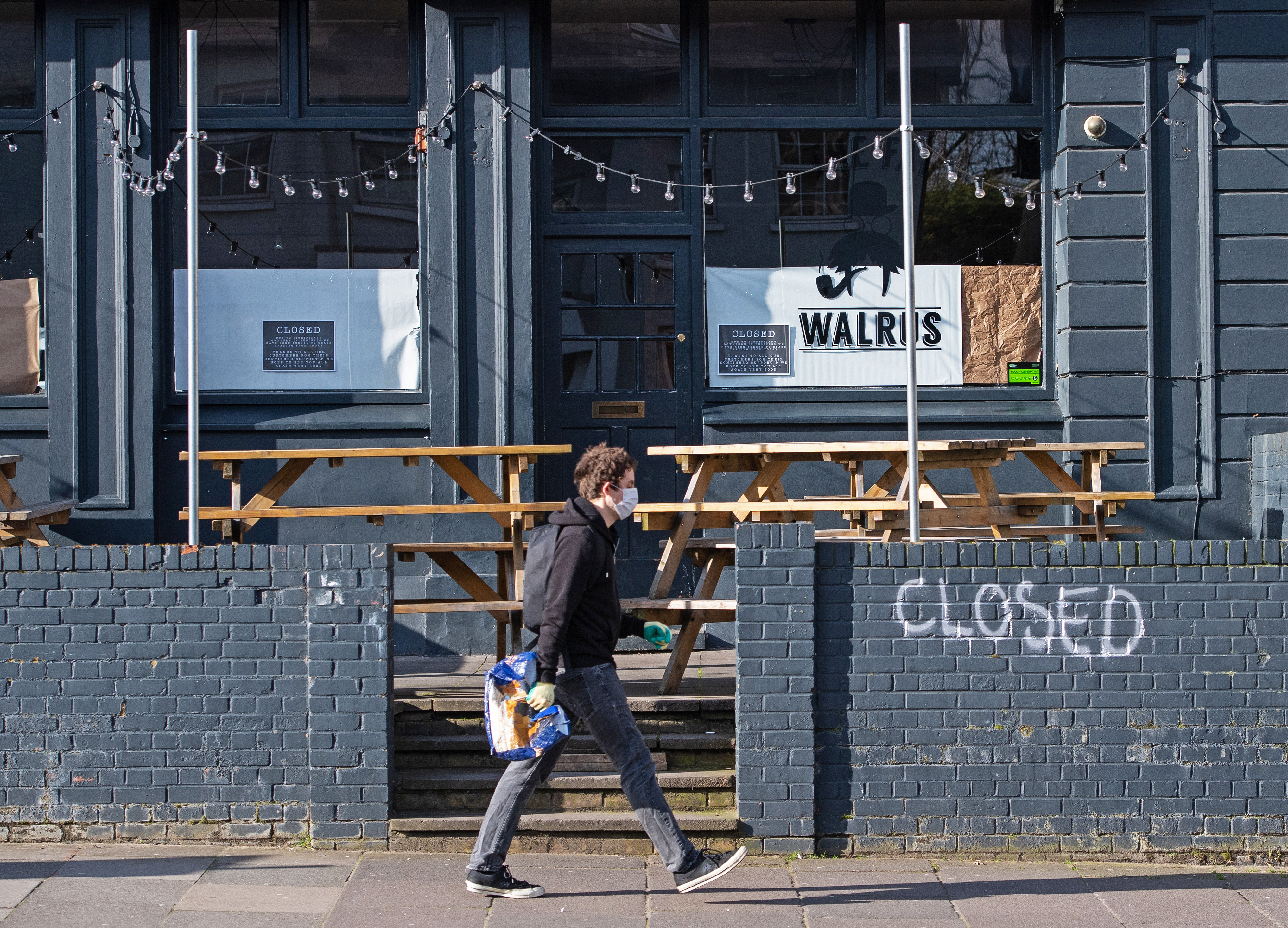 EMBARGOED TO 0001 MONDAY SEPTEMBER 14 File photo dated 21/03/20 of a closed pub in New Cross, south London. Thousands of pubs across the UK could be forced to call time as they face a looming �800 million business rates bill, a trade association has said.