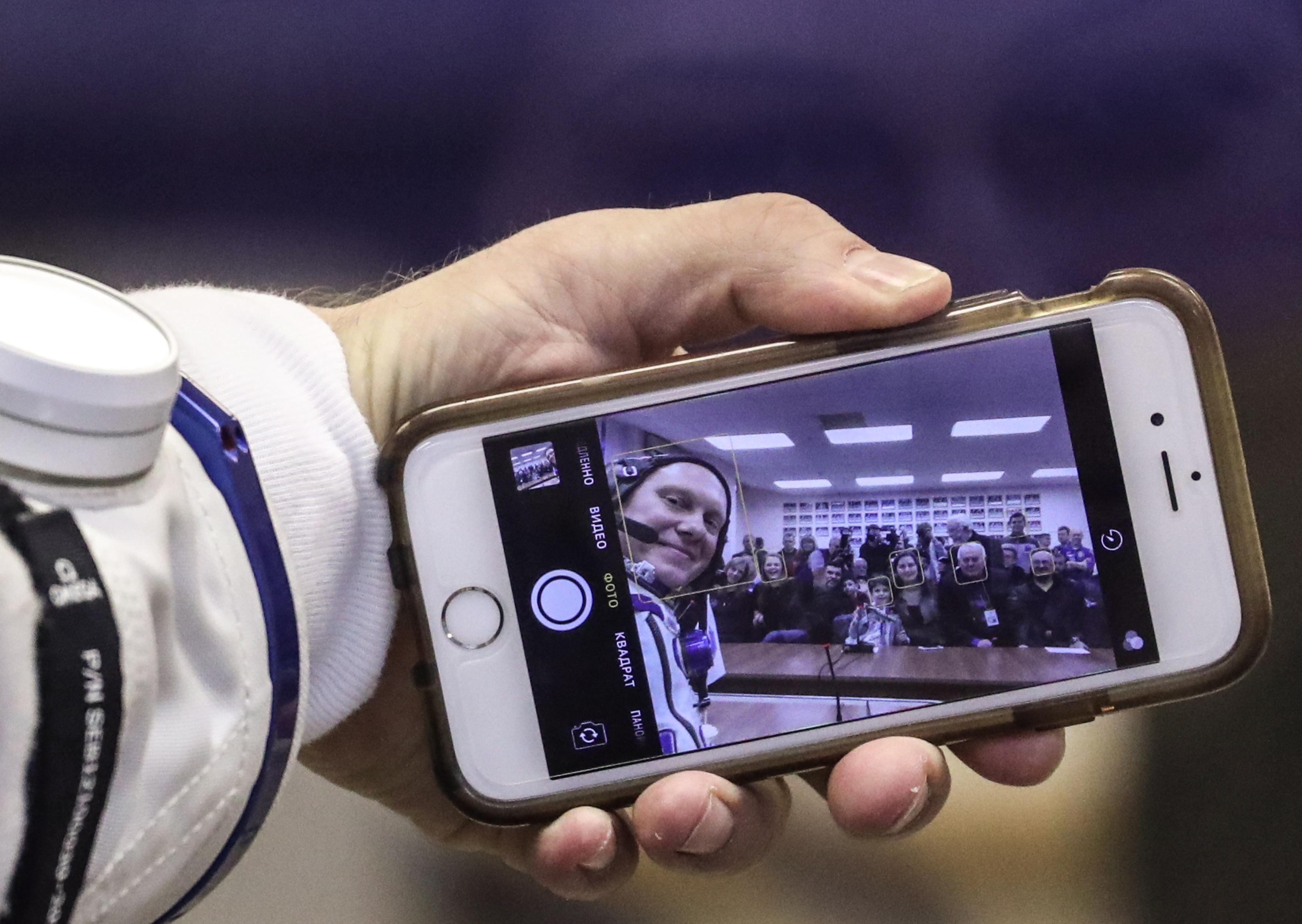 photo of NASA taps Nokia to bring LTE to the Moon image