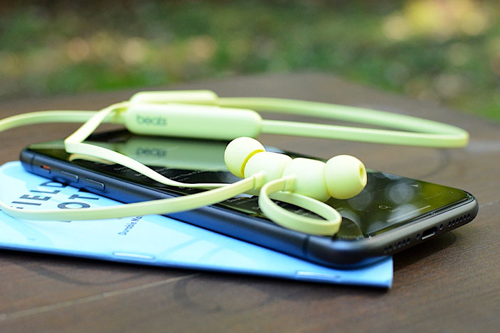 Beats Flex review: The cost of $50 wireless earbuds