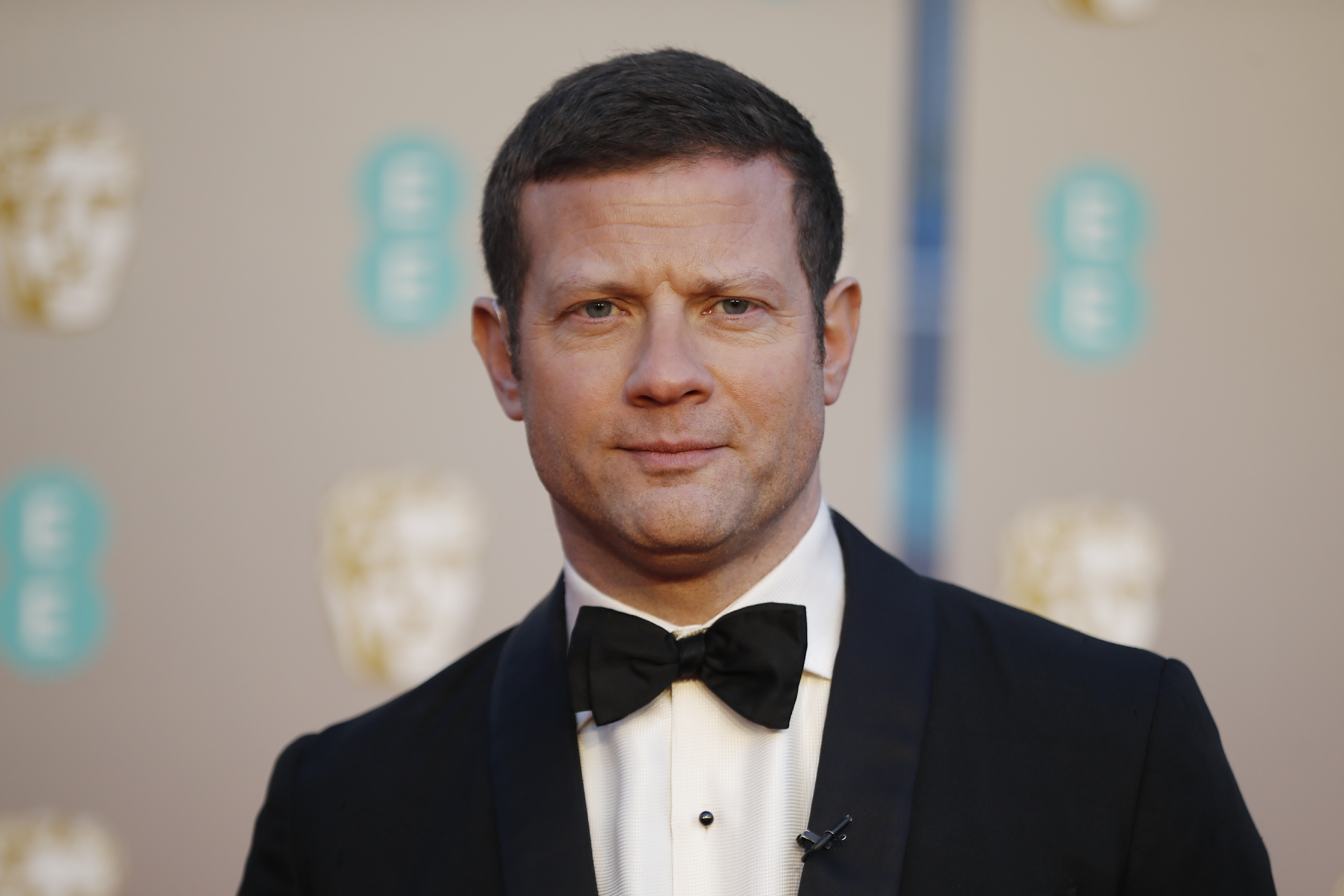 Presenter Dermot O'Leary poses on the red carpet upon arrival at the BAFTA British Academy Film Awards at the Royal Albert Hall in London on February 10, 2019. (Photo by Tolga AKMEN / AFP)        (Photo credit should read TOLGA AKMEN/AFP via Getty Images)