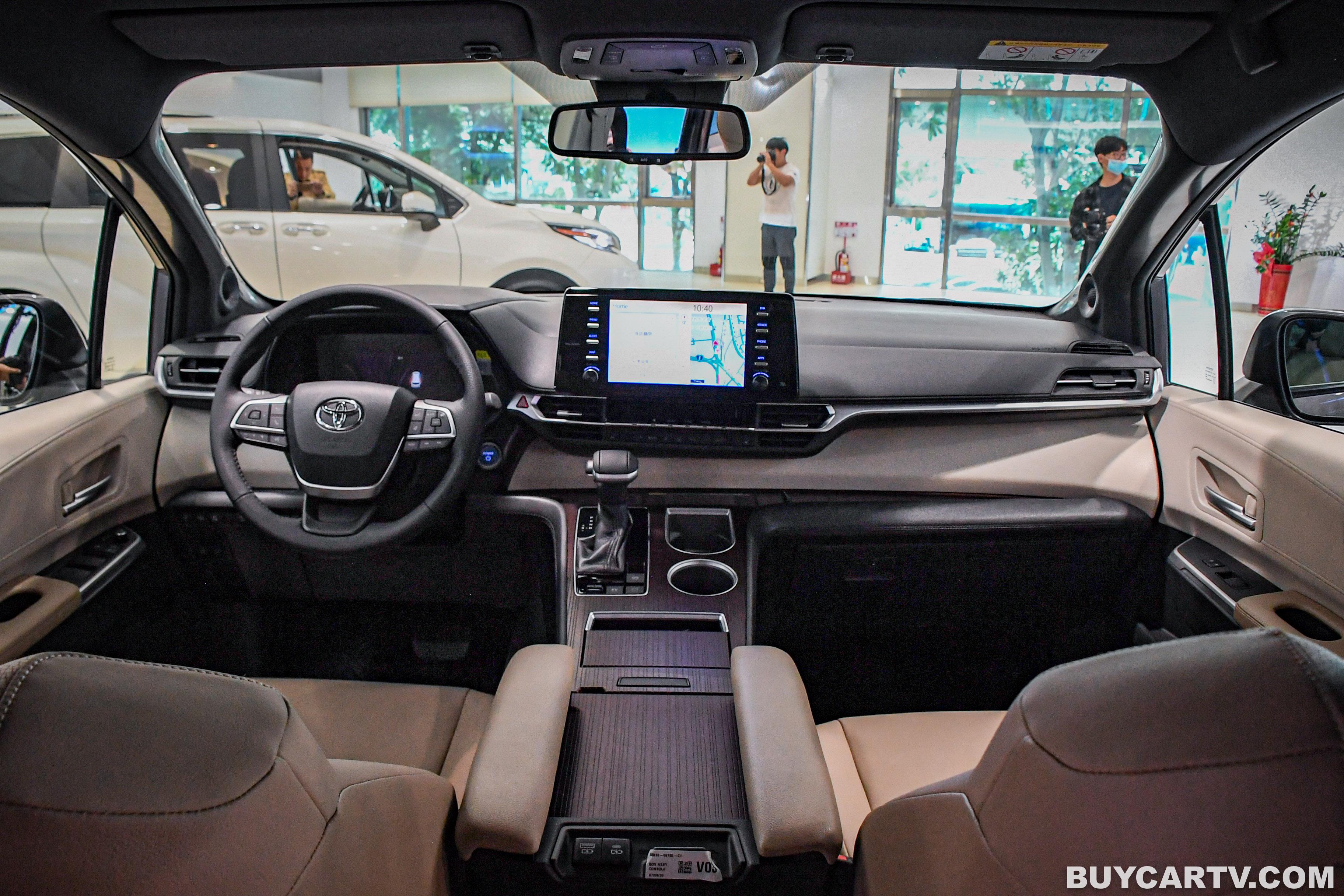 滿載七人都安全!正七座豪華MPV改款登場 Toyota SIENNA|媒體御賞