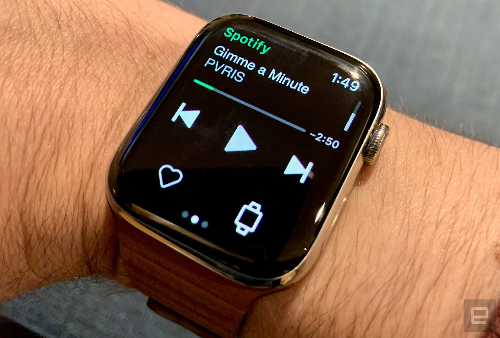 Spotify now works on the Apple Watch, no phone required