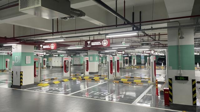 特斯拉增壓器站上海靜安國際中心