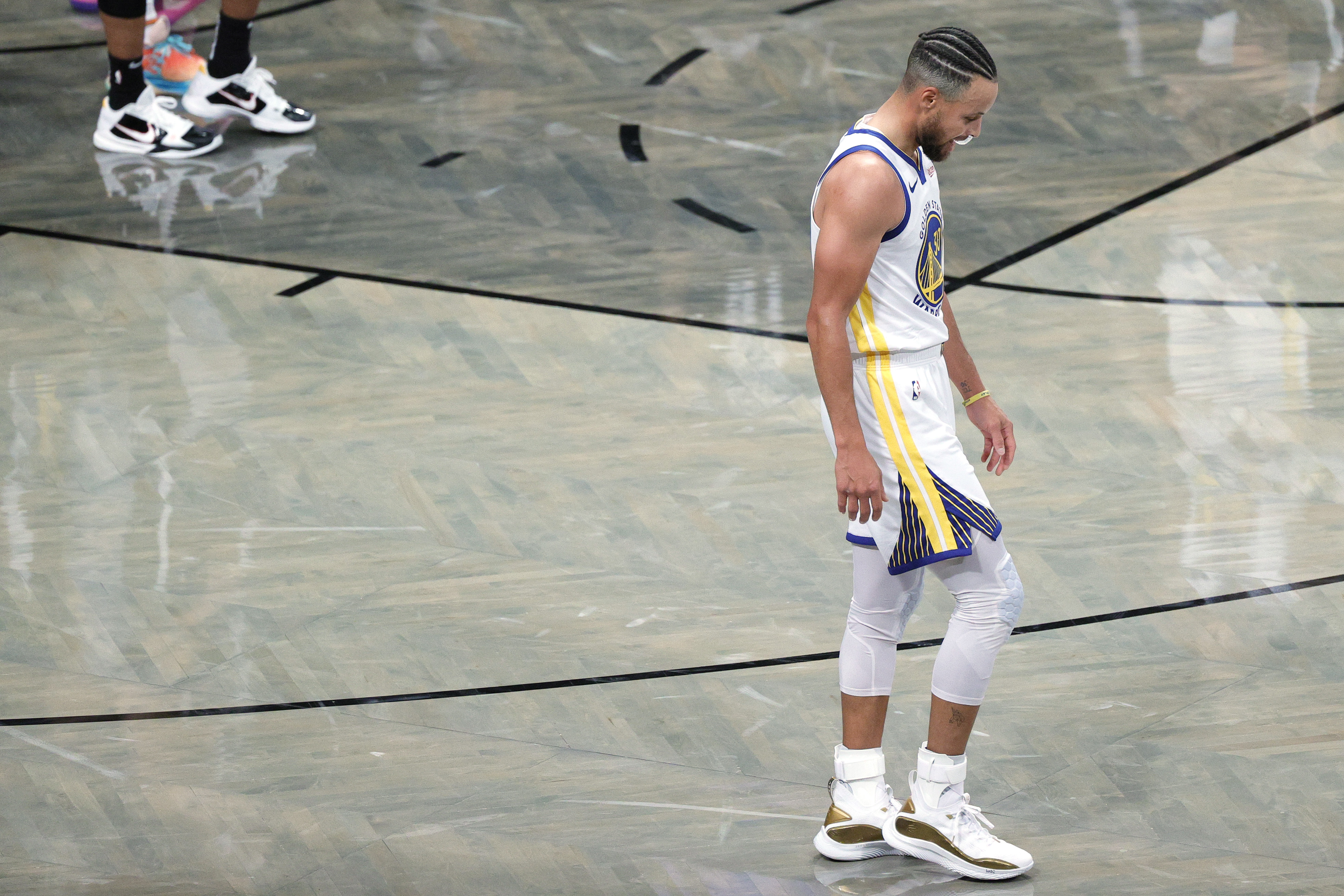 Nba Stephen Curry Frustrated With Warriors Slow Start