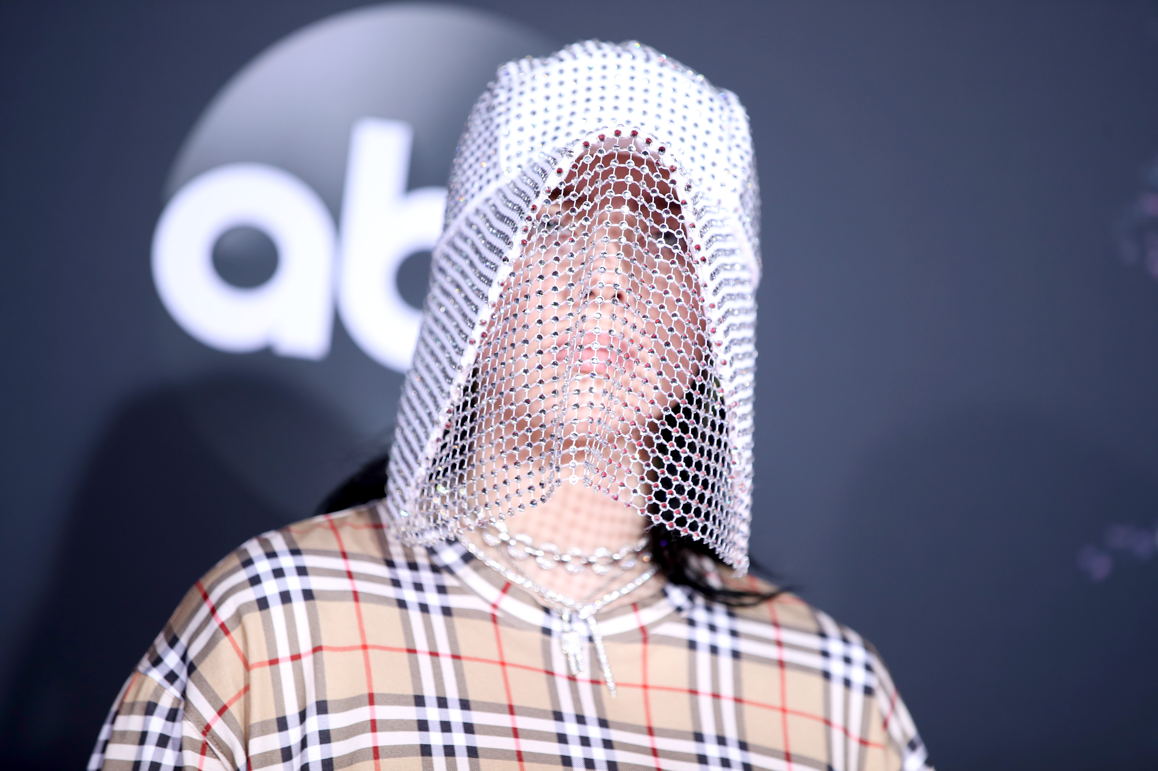 LOS ANGELES, CALIFORNIA - NOVEMBER 24: Billie Eilish attends the 2019 American Music Awards at Microsoft Theater on November 24, 2019 in Los Angeles, California. (Photo by Rich Fury/Getty Images)