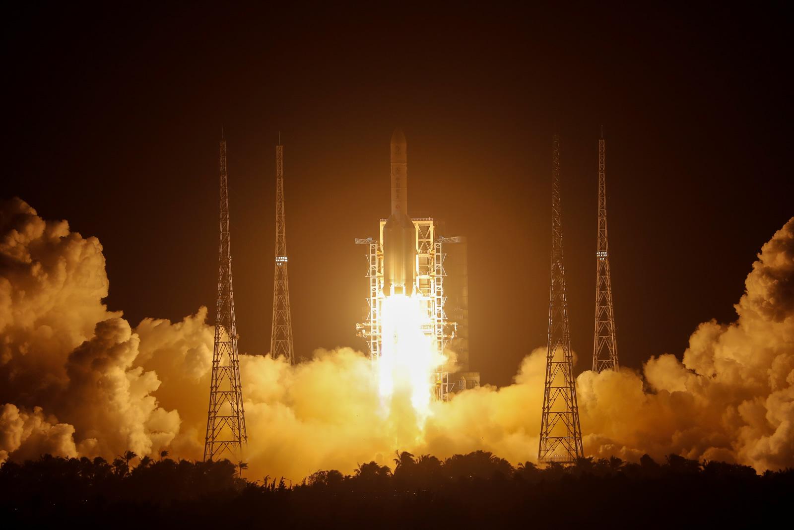 手机电子书软件_嫦娥五号顺利着陆月表,将开始收集土壤样本