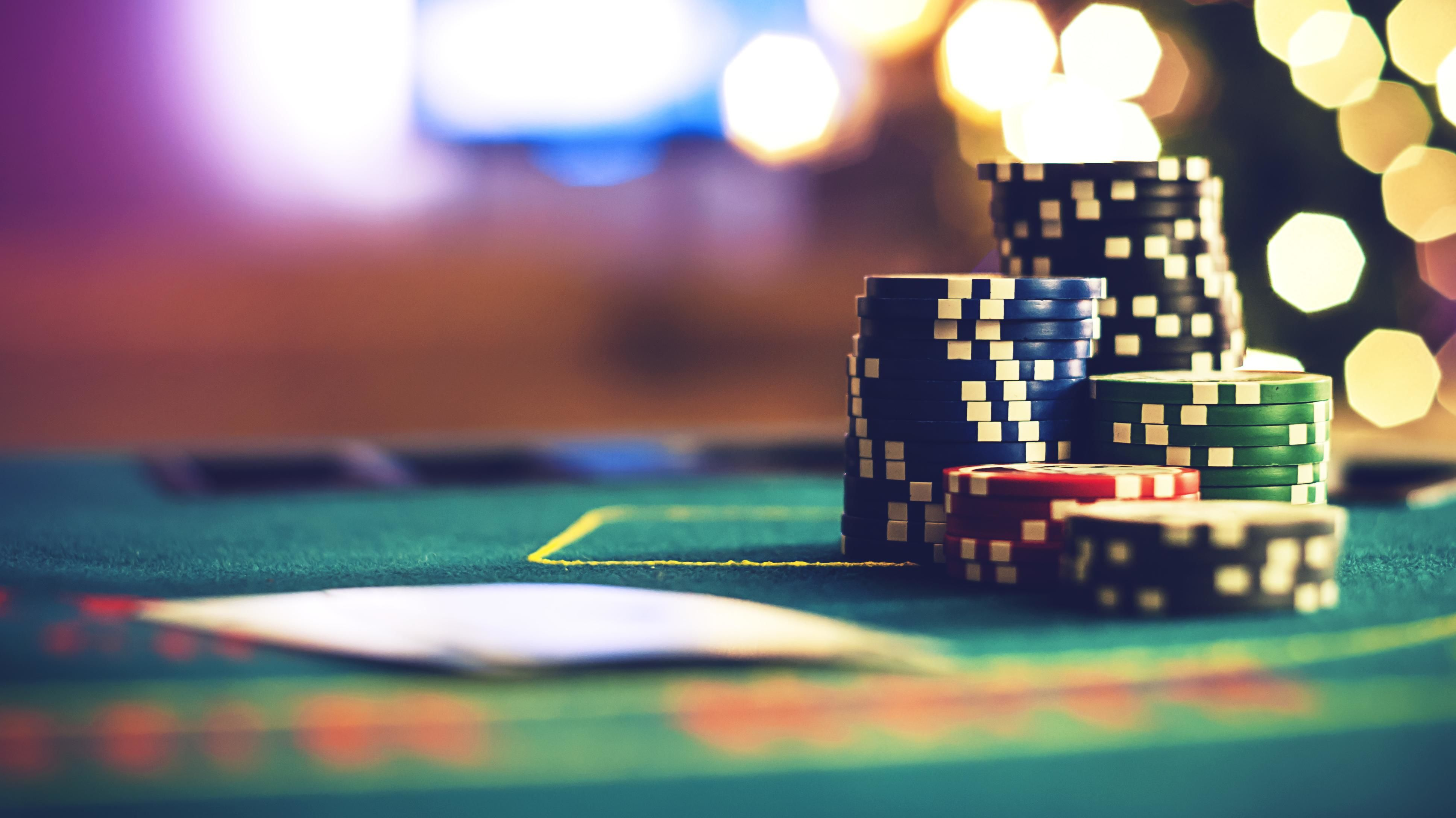 Former poker champion says this common mistake is a 'huge problem' in  business