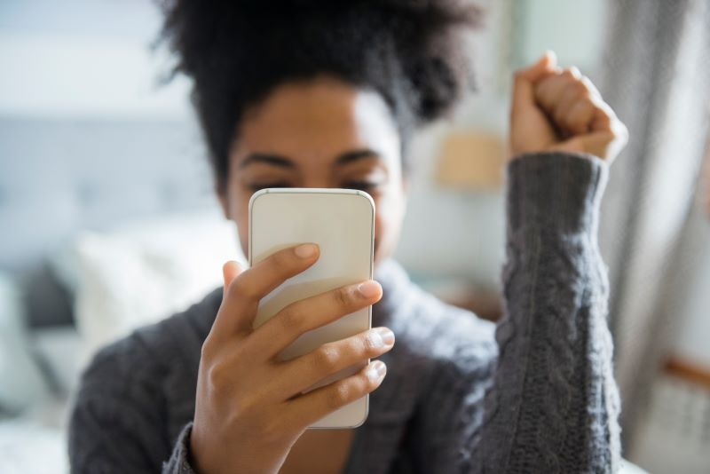 Essential Safety Apps Every Woman Should Consider Having on Her Phone
