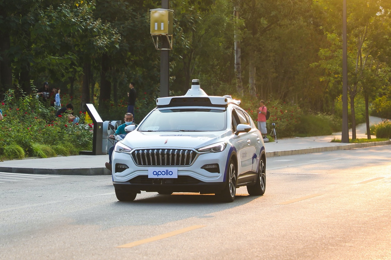 Baidu approved for fully driverless road tests in Beijing