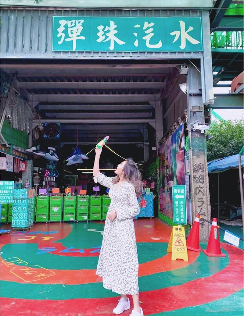 ▲銅鑼必去景點推薦-大補內彈珠汽水工廠。 (圖/verna_lu_, Instagram)