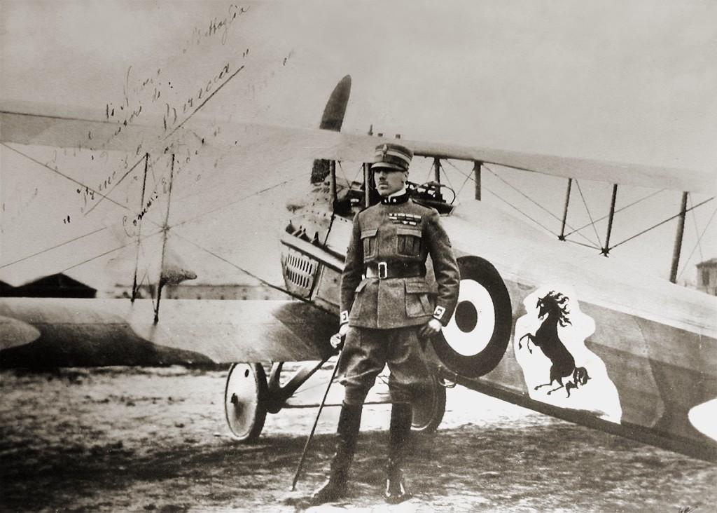 弗朗切斯科·巴拉卡和他的戰鬥機躍馬標誌