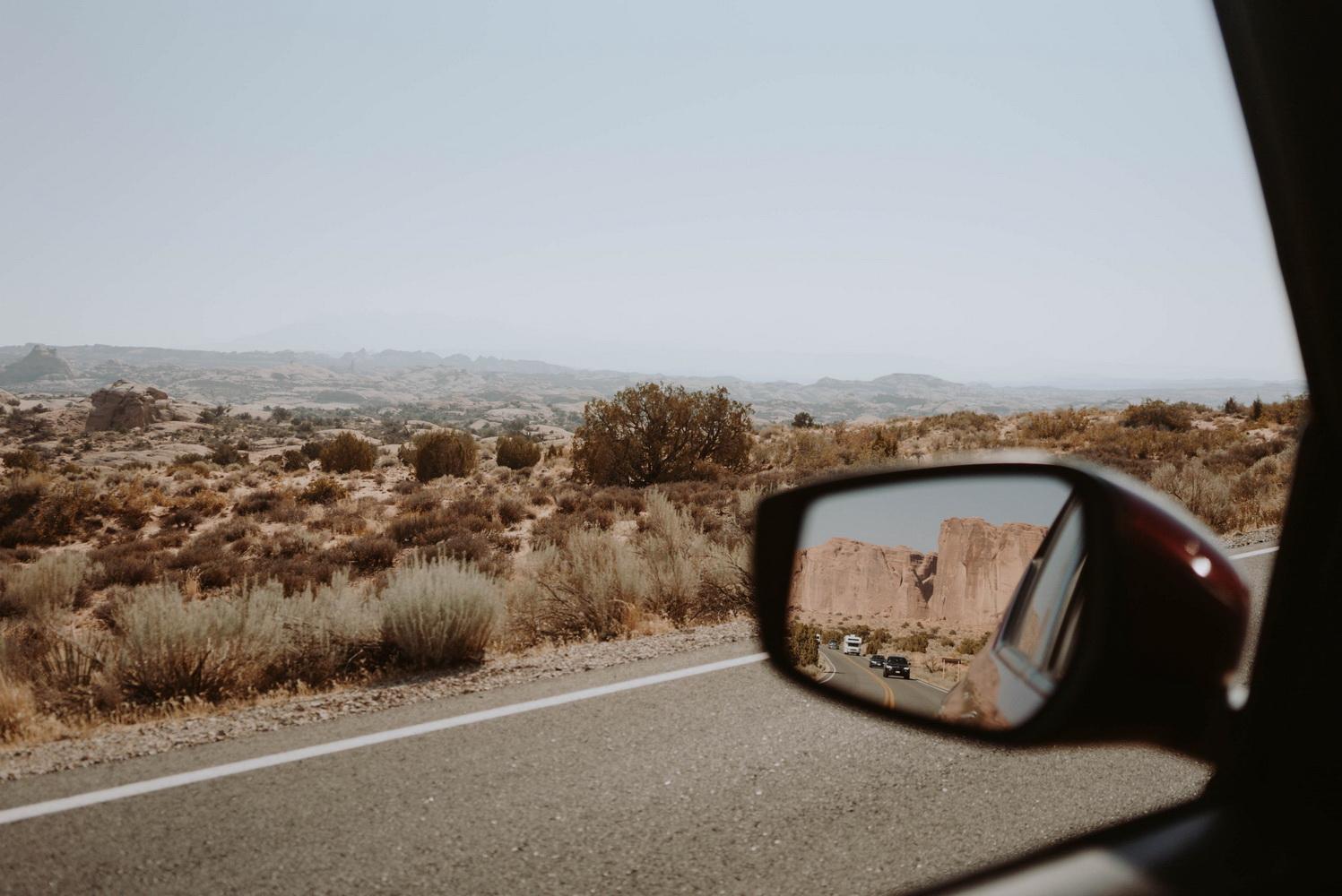 圖/研究人員發現,打開車窗透過進風能產生空氣流動,能減少車艙內空氣中的浮質。照片來源:(攝影師:Dziana Hasanbekava,連結:Pexels)