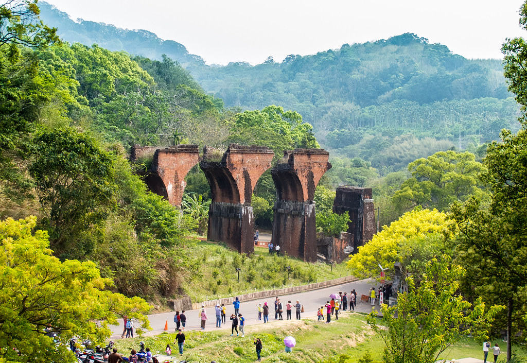 龍騰斷橋(Photo Credit: Jason@Flickr, License: CC BY 2.0,圖片來源:https://www.flickr.com/photos/13112122@N00/17734692482)