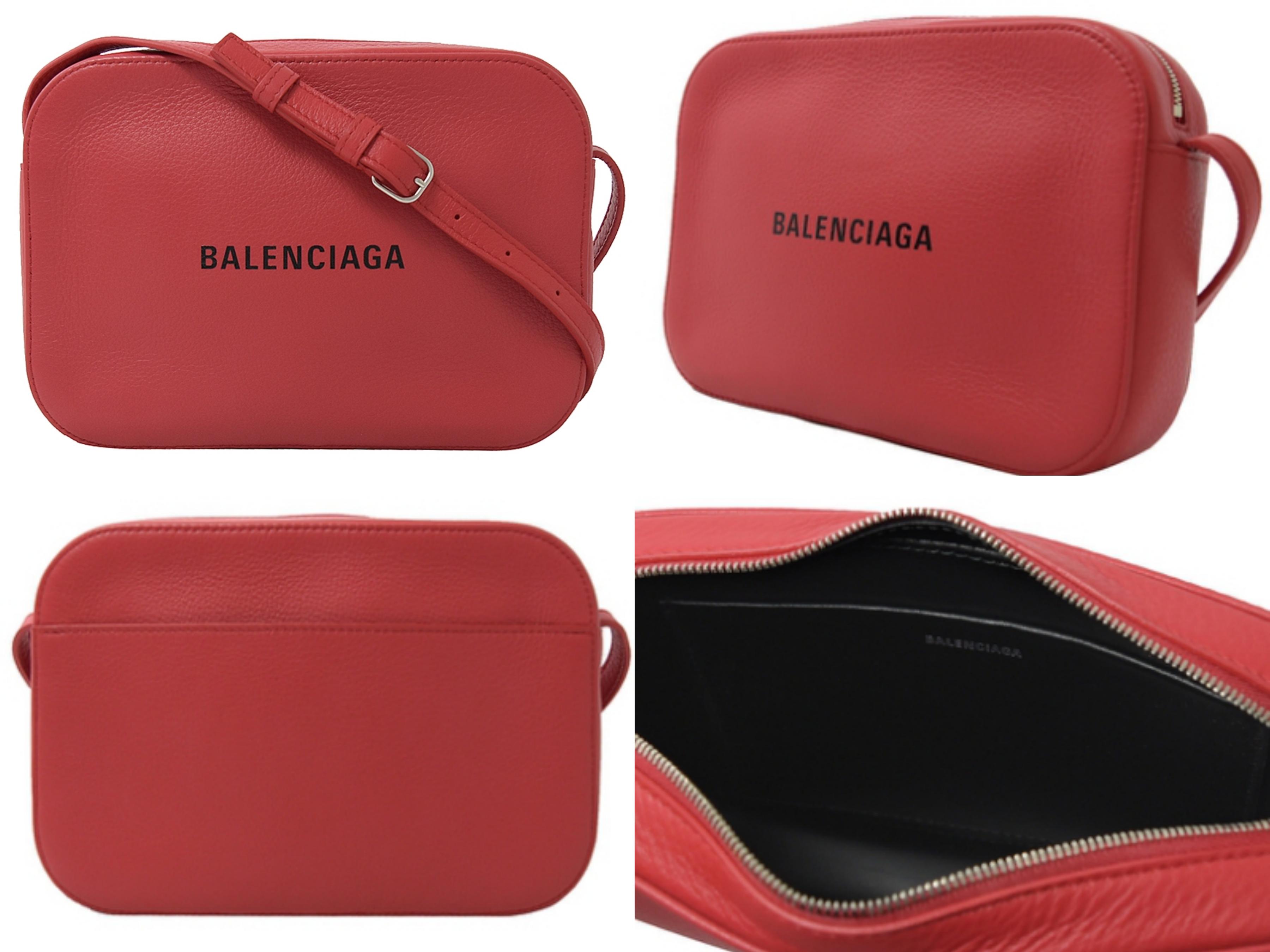 BALENCIAGA 燙印英字LOGO牛皮斜背小方包(紅) 超夯小斜背包款,造型可愛迷你,外型簡約好搭配