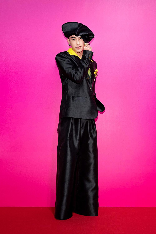 台灣首位入圍LVMH Prize的江奕勳,甚至曾歷經品牌無法支撐下去的困境,然而,他一路走到今天,憑藉著就是他的信念—相信什麼就會看到什麼