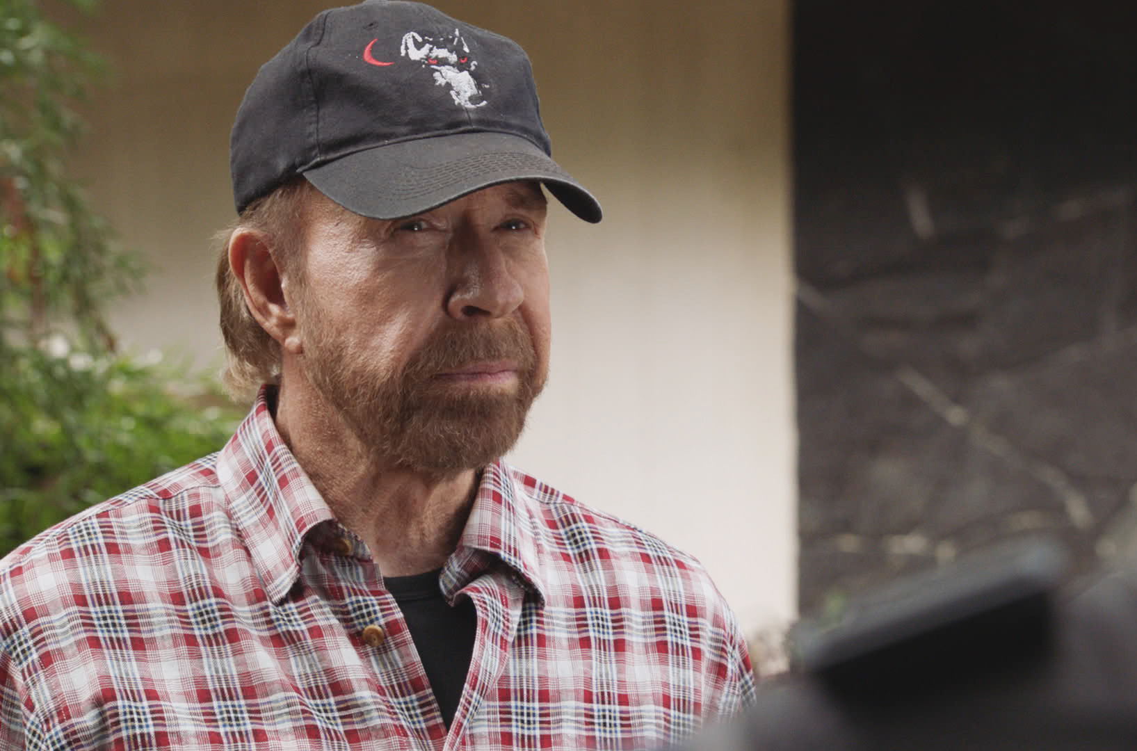 Chuck Norris's rep denies actor participated in deadly pro-Trump riots: 'Chuck is much more handsome' than lookalike