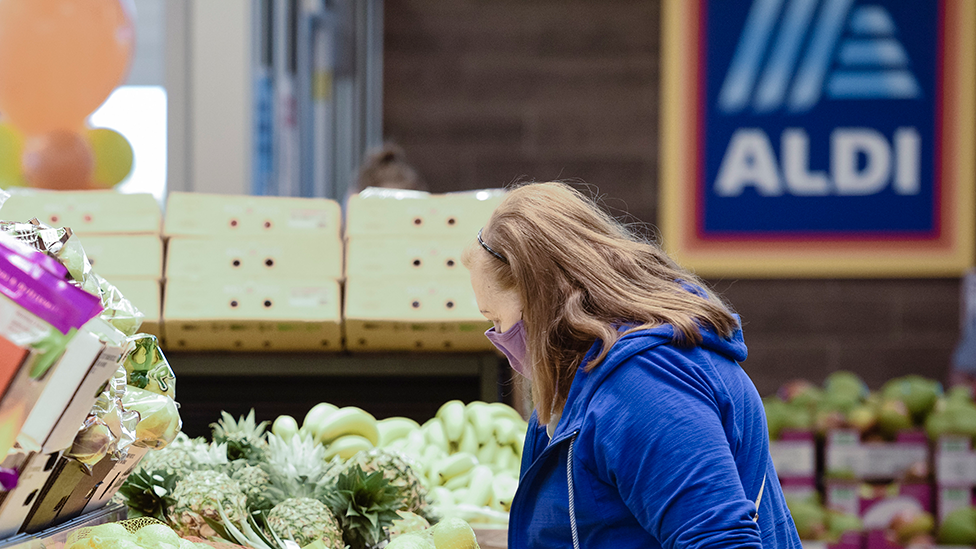 'Disgusting': Aldi customers' public grape spat divides shoppers