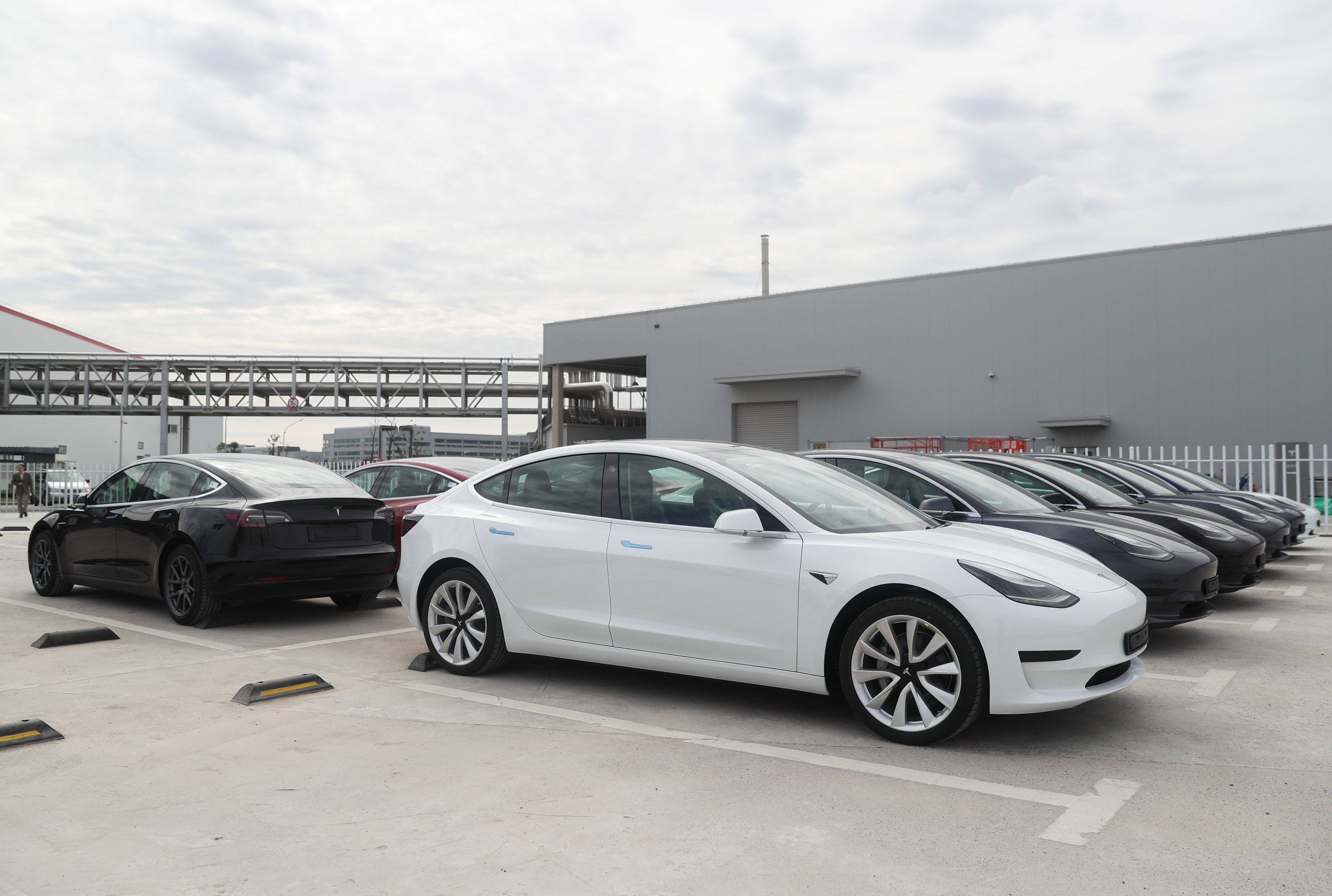 Tesla accuses engineer of stealing crucial company software | Engadget