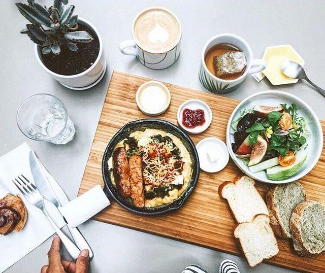 充滿海味的義大利麵與西班牙烘蛋,全都強調以現撈海鮮入菜,是一間CP質極高的優質小店。