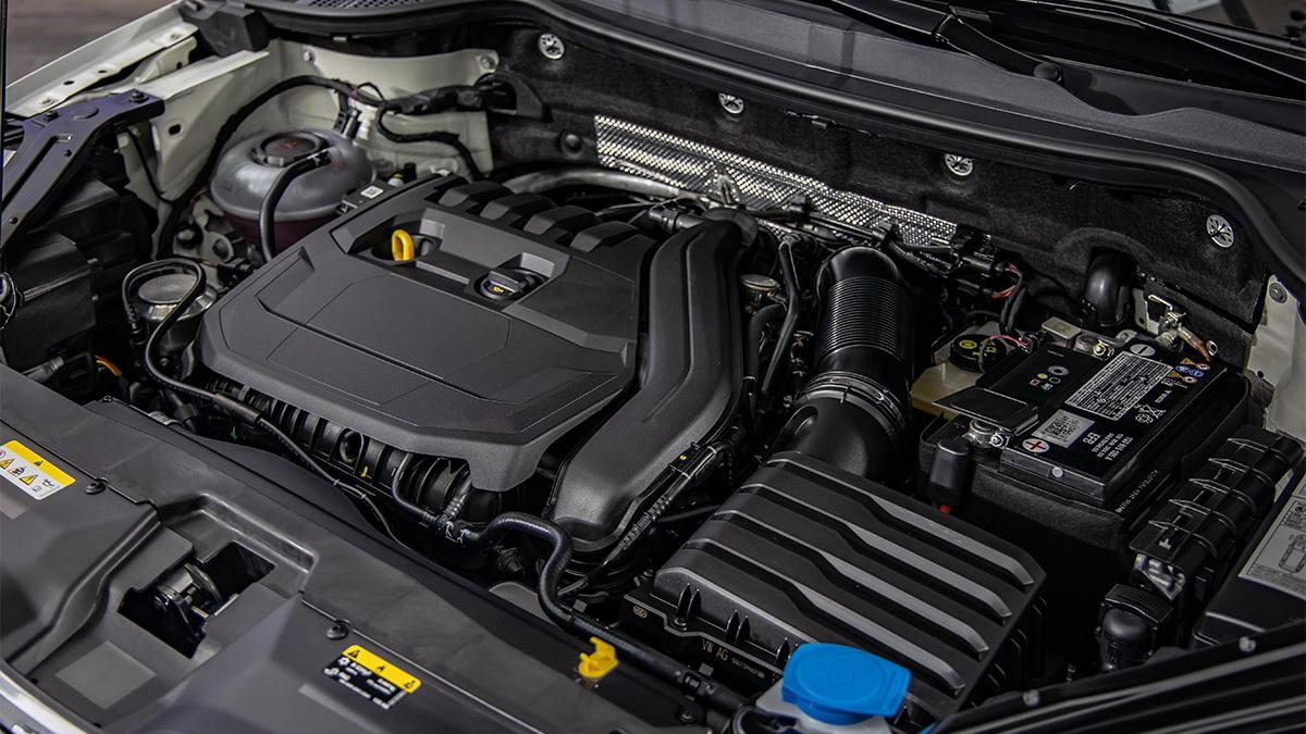 圖/Karoq黑熊特仕版搭載最新版本的1.5 TSI EVO汽油渦輪增壓引擎,擁有150匹馬力與25.5kgm最大動力輸出。