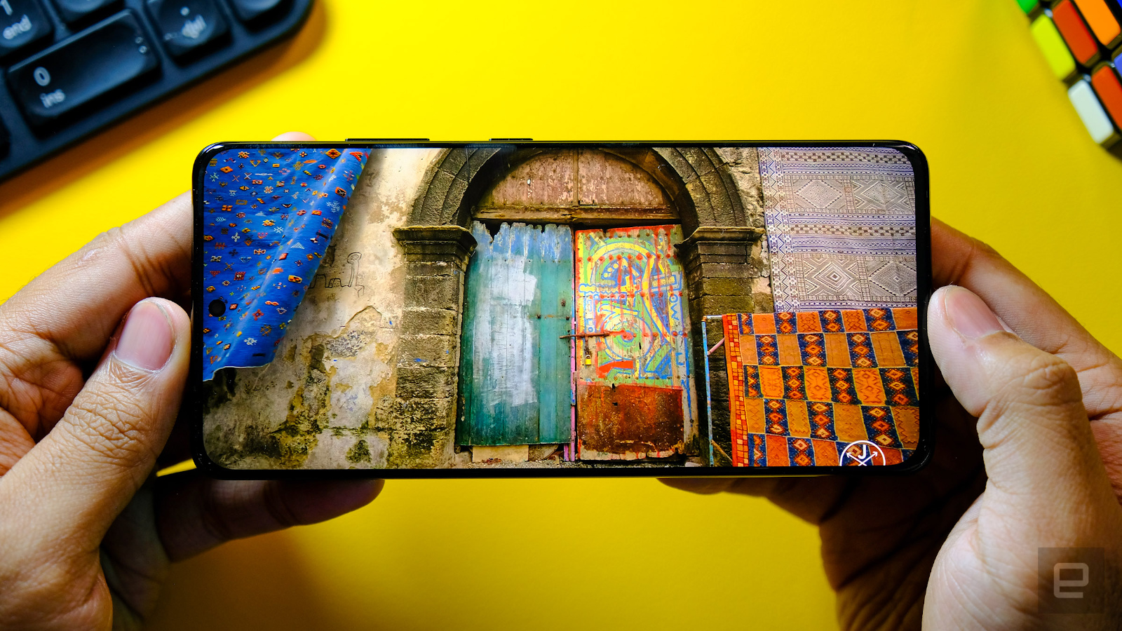 Samsung's Galaxy S21 Ultra features a new low-power OLED display - Yahoo Canada Shine On