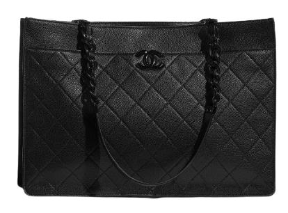 百搭的黑色一年四季都能穿,甚至可以運用相同色系、不同材質去混搭,藉此穿出層次感