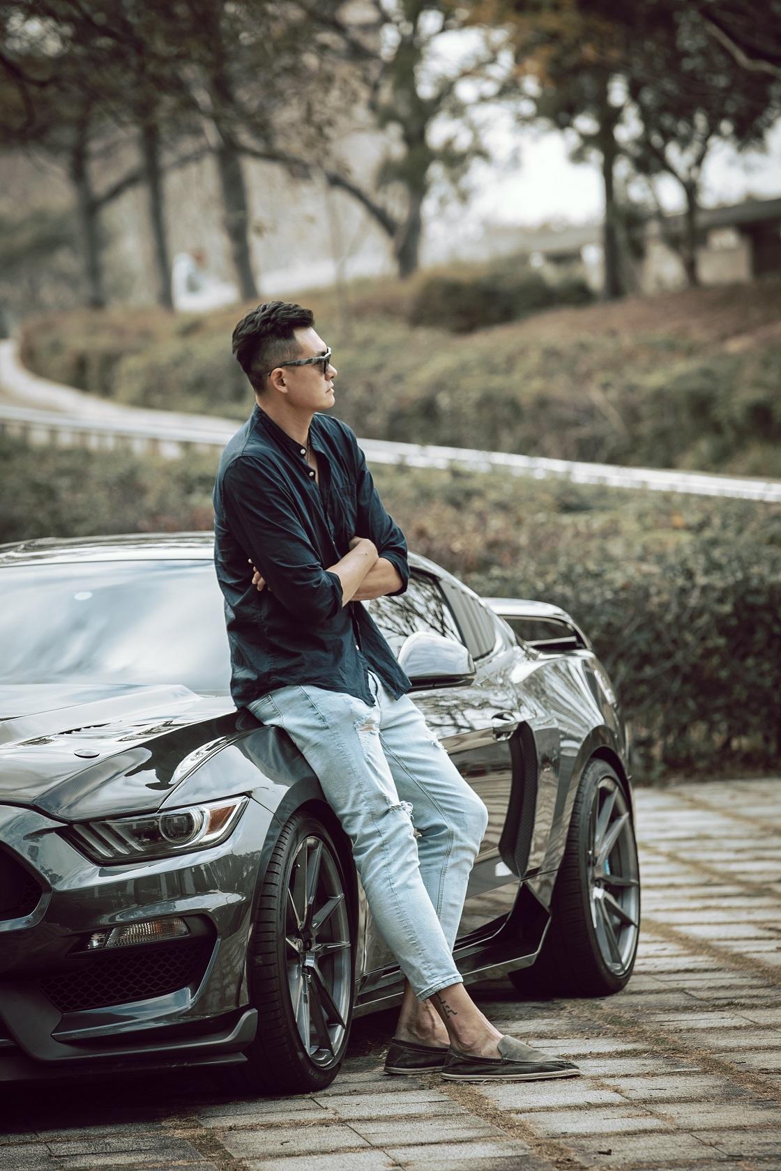 【名人聊愛車】新竹街口攻城獅球星吳岱豪獨鍾福特Ford Mustang EcoBoost 320,因這3優點:加速快、引擎有力、價格相對親民!