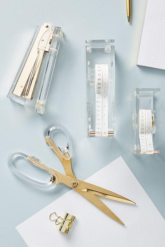 過年期間不要使用剪刀等尖銳物品,可能會把好運剪掉。