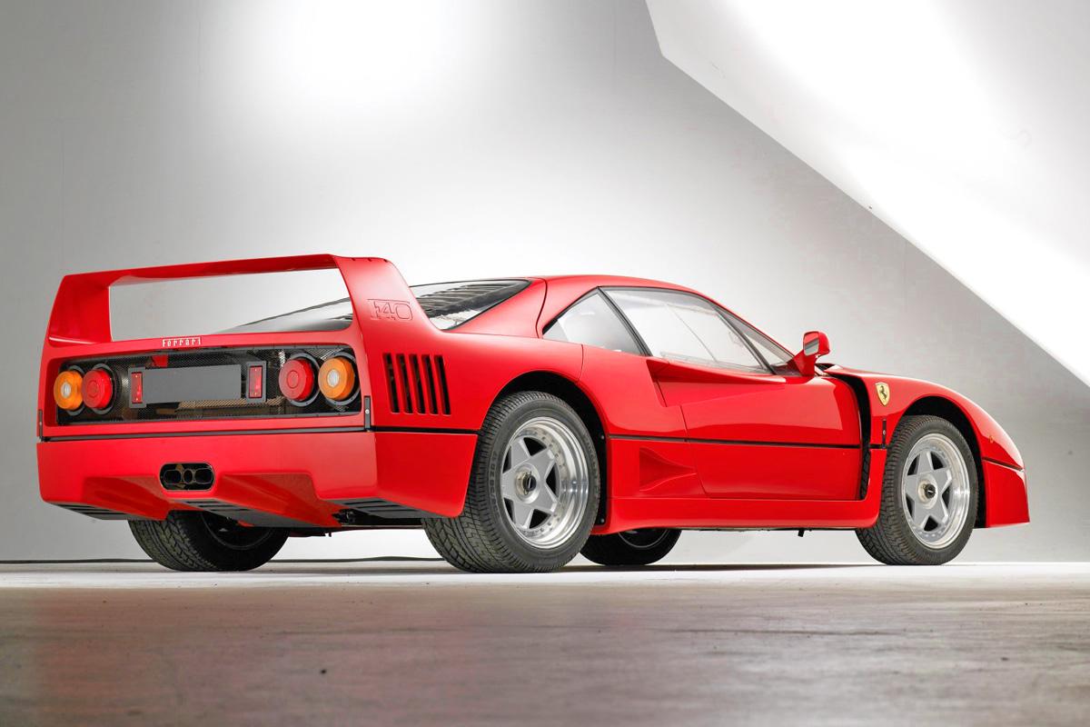 Pininfarina讓尾翼和車身取得完美而不突兀的平衡,車側隱約還有F40的浮雕字體 ©petrolicious.com