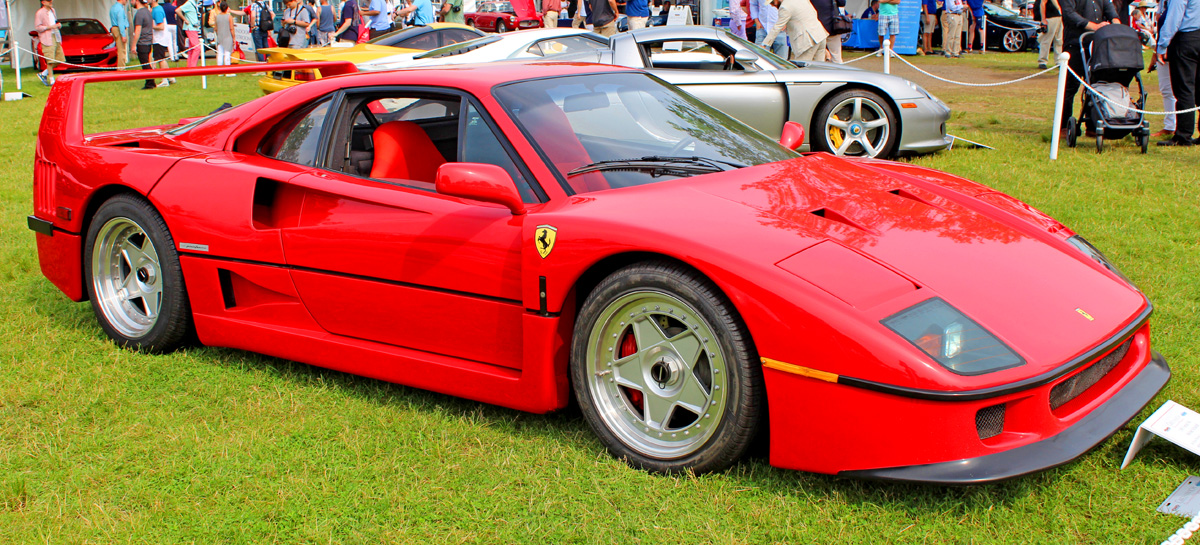 Ferrari 創業40週年慶的代表作F40 ©Kevauto, USA