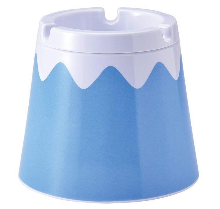 結合富士山造型的煙灰缸,非常穩固的穩定感,很有日本特色,除了煙灰缸之外還可以當首飾儲物盒、小物收納盒。