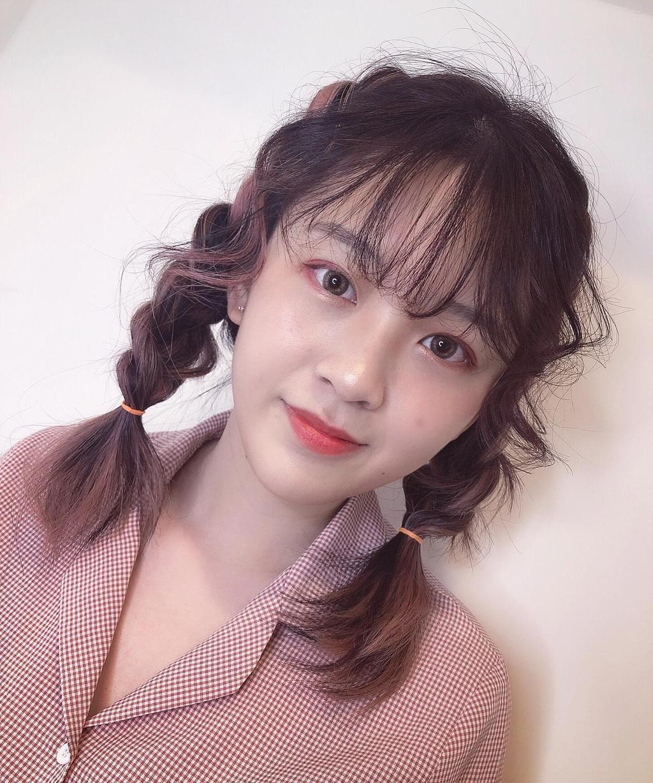 紫棕手刷染✖️鬆亂的辮子,很有日韓少女甜美風格