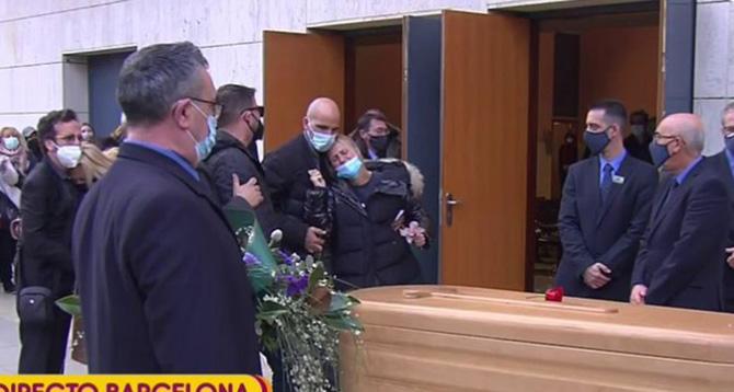 Críticas a Mila Ximénez por su comentario en directo durante el funeral de Álex Casademunt