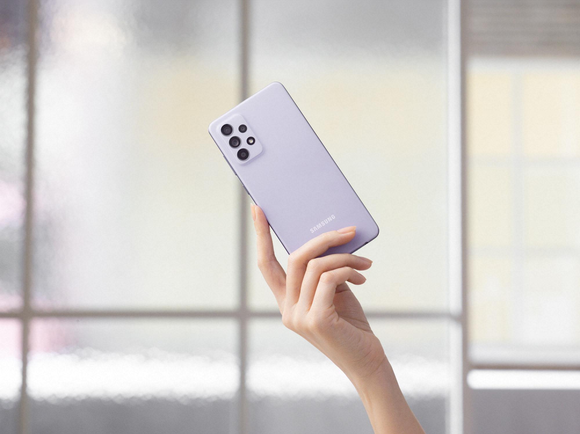 <p>Samsung Galaxy A52</p>